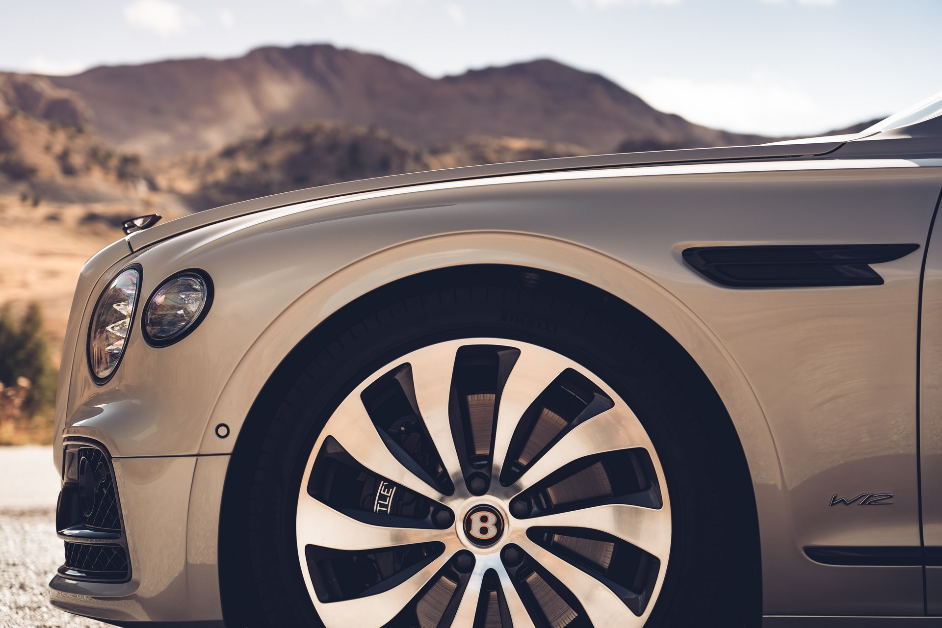 Bentley-Flying-Spur-Blackline-1