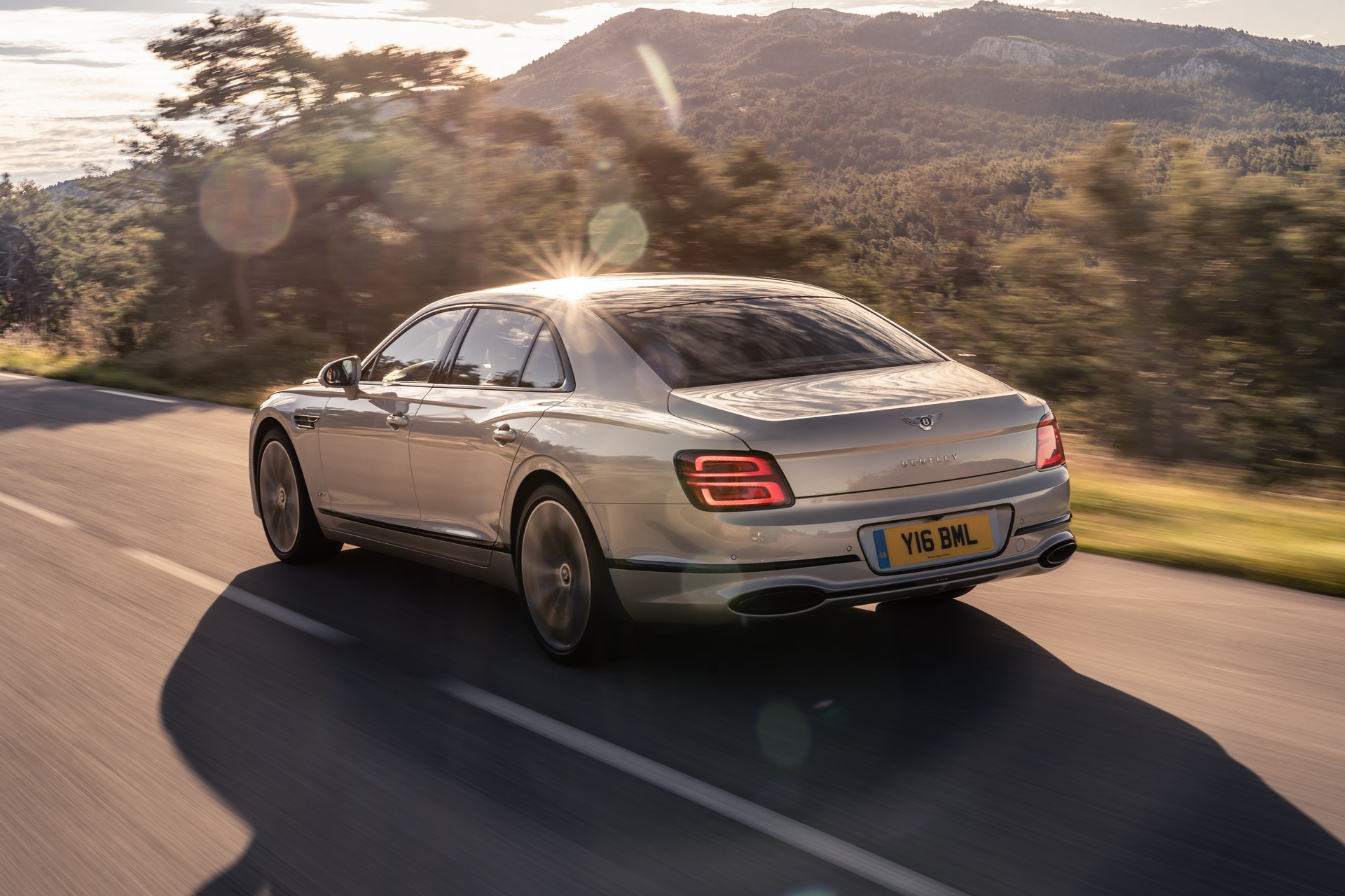 Bentley-Flying-Spur-Blackline-6