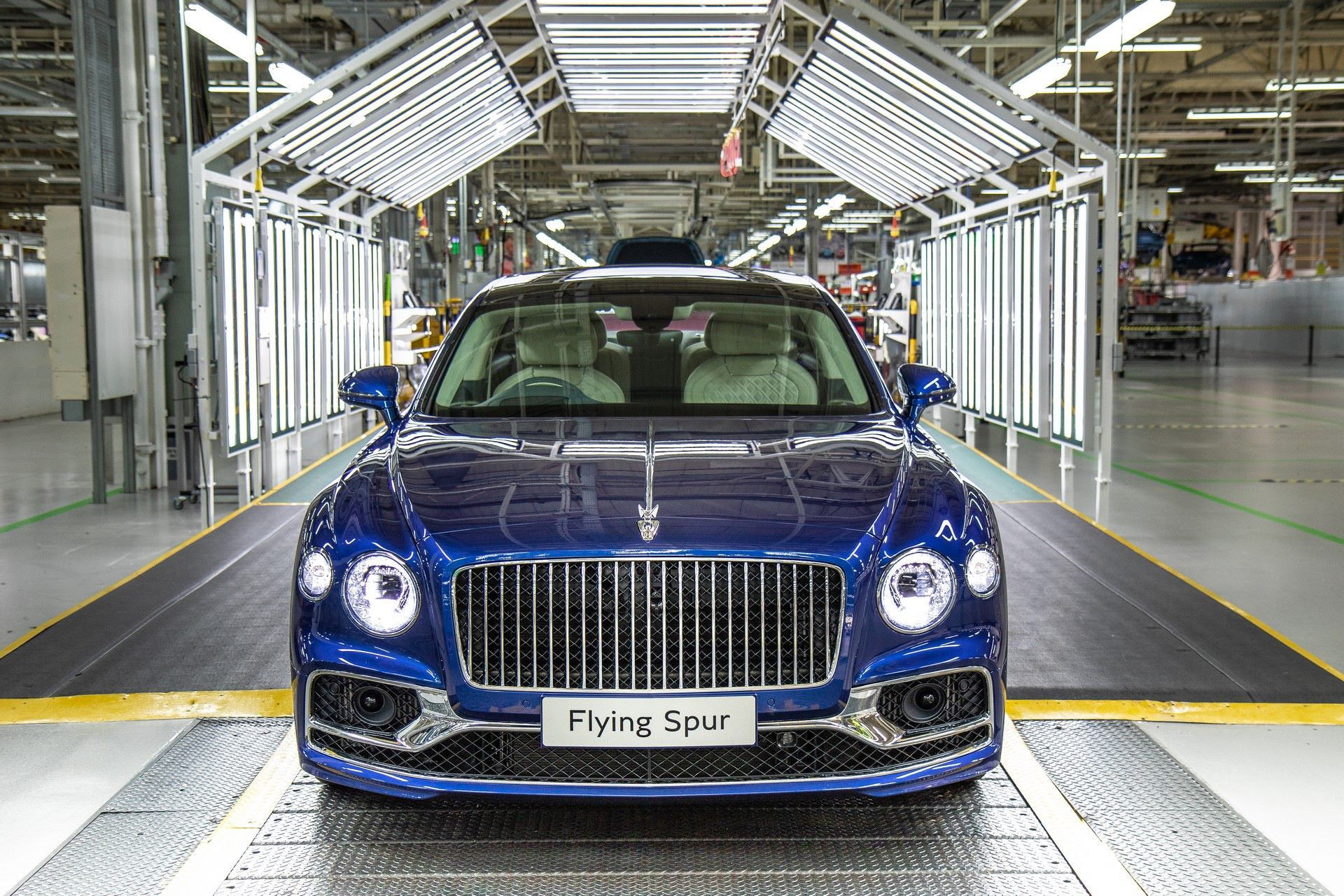 Bentley-Starts-Production-Flying-Spur-10