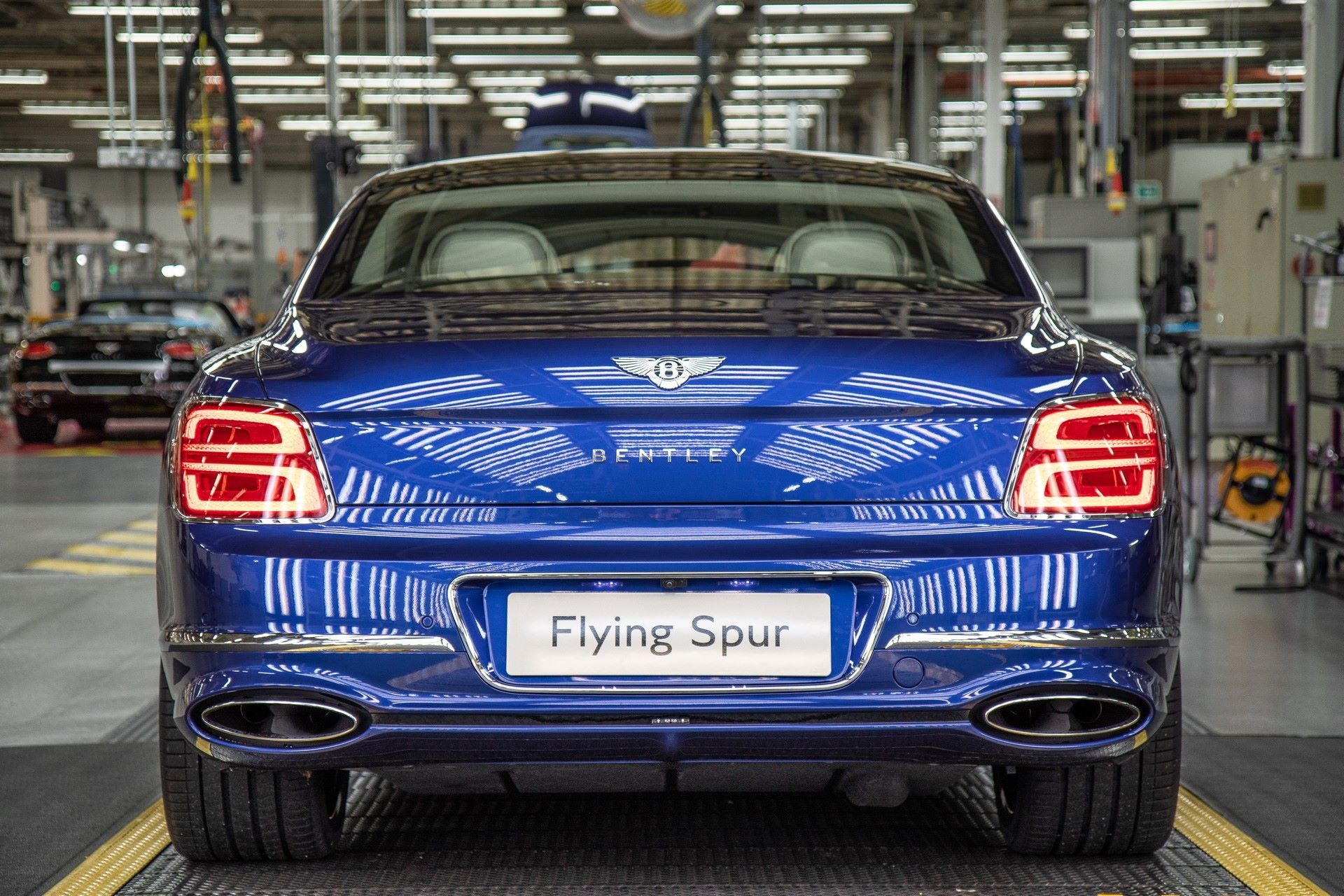 Bentley-Starts-Production-Flying-Spur-11