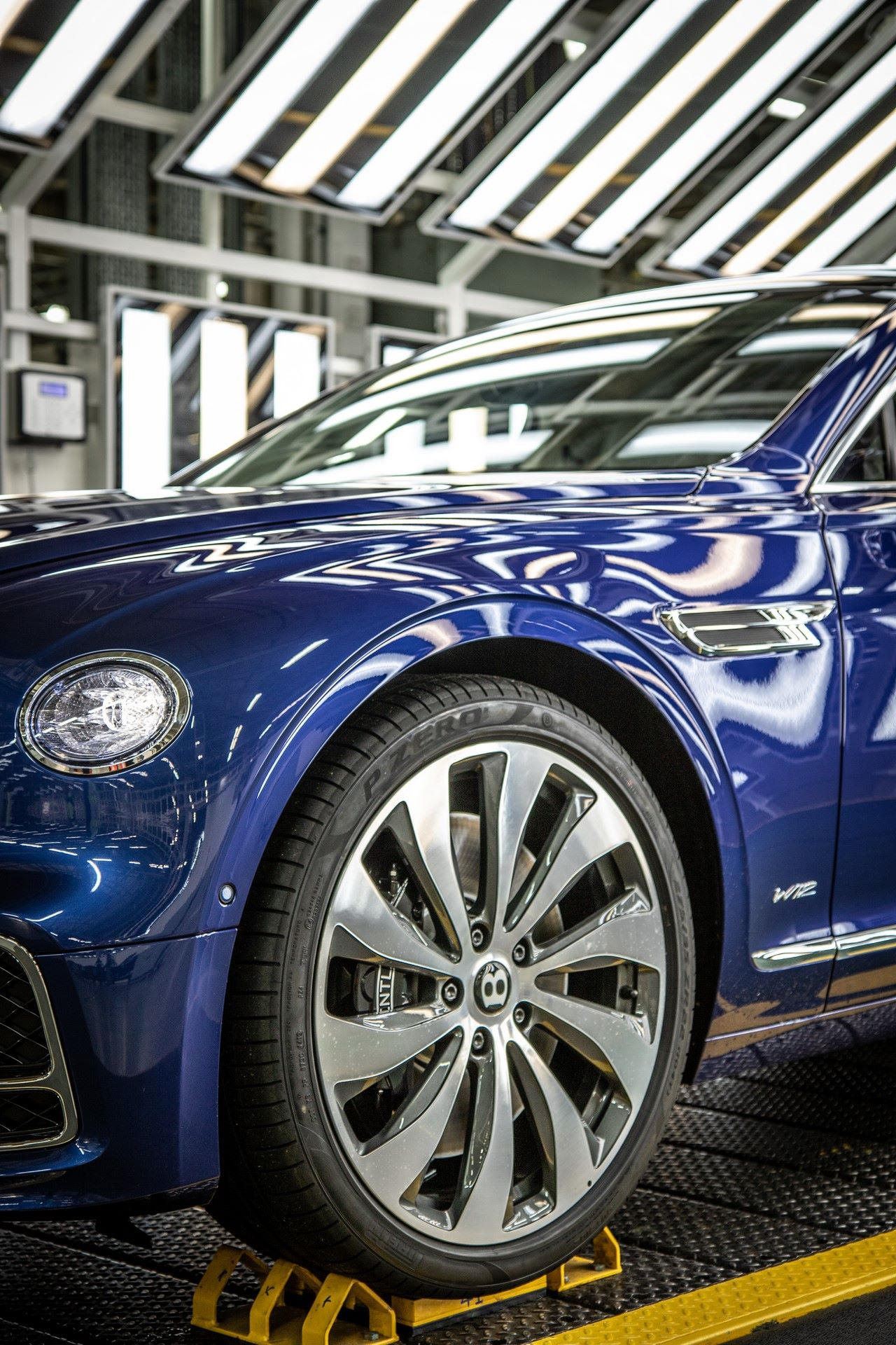 Bentley-Starts-Production-Flying-Spur-13