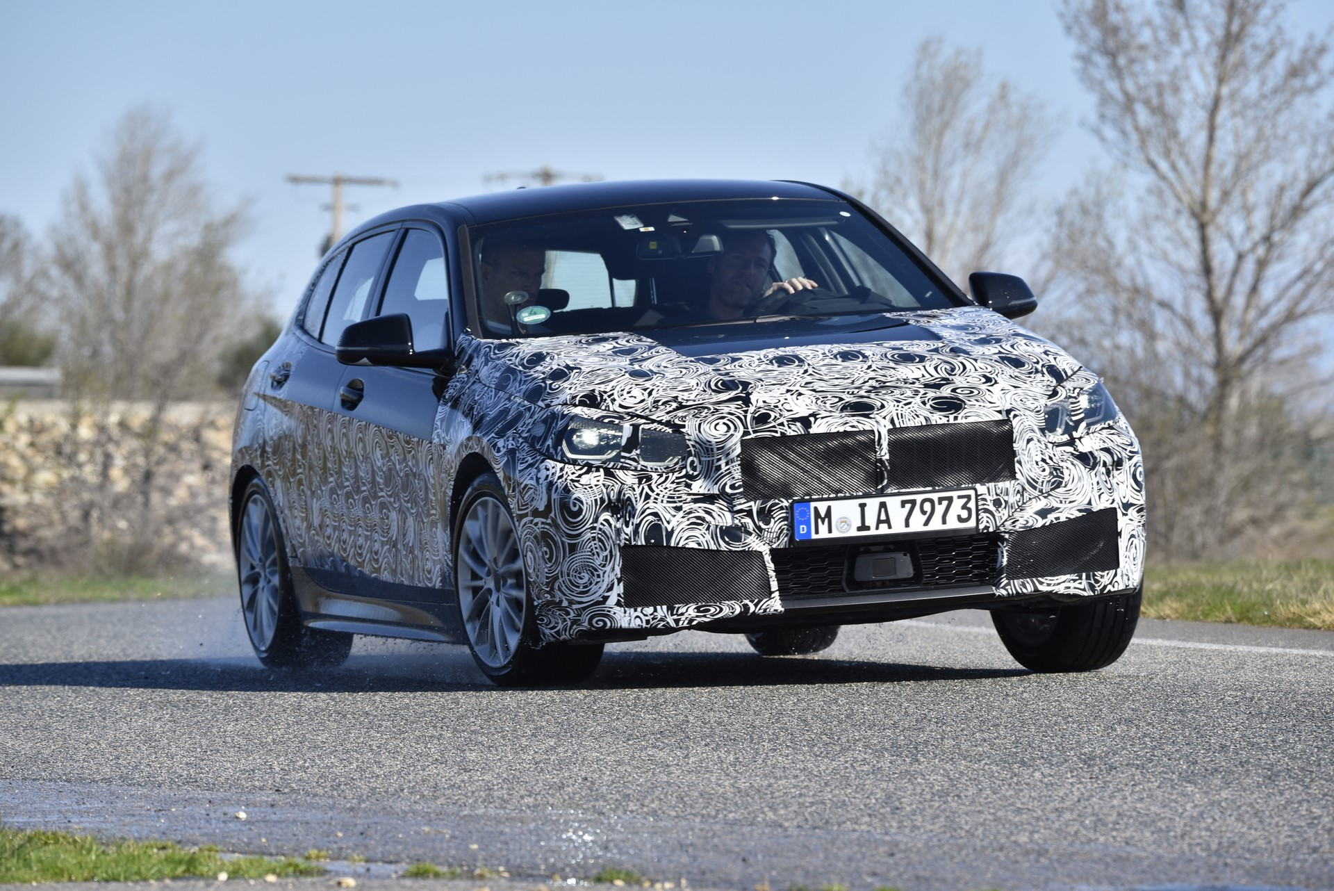 BMW 1-Series 2020 official spy photos (10)
