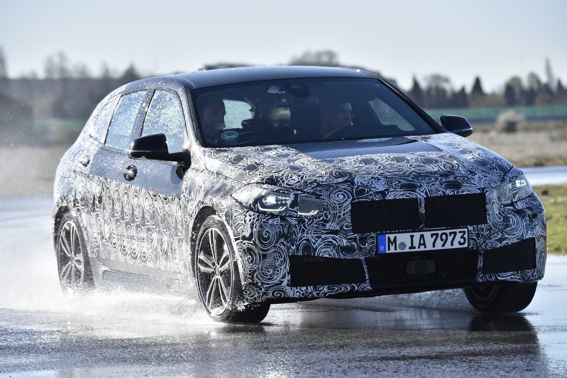 BMW 1-Series 2020 official spy photos (3)