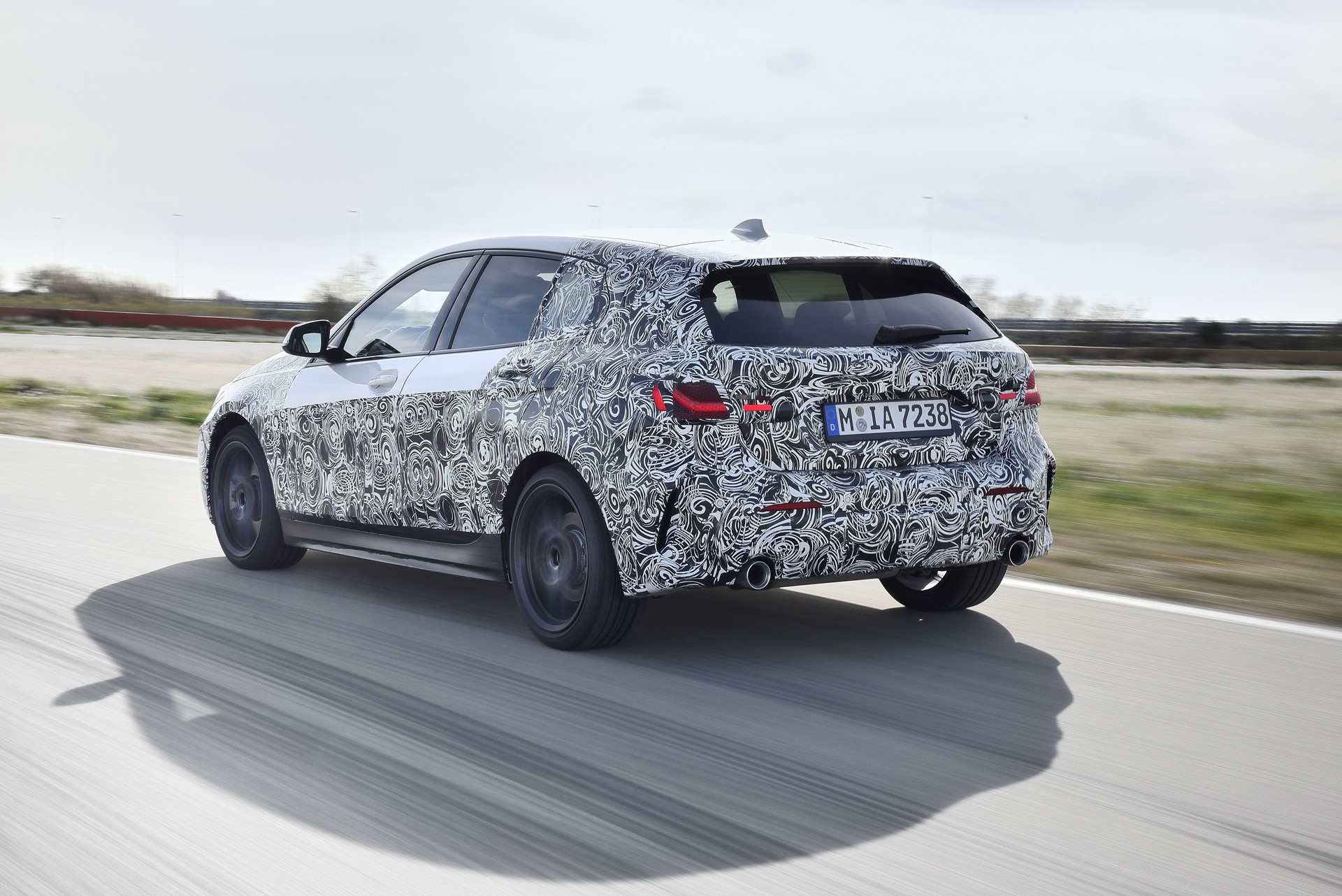 BMW 1-Series 2020 official spy photos (9)