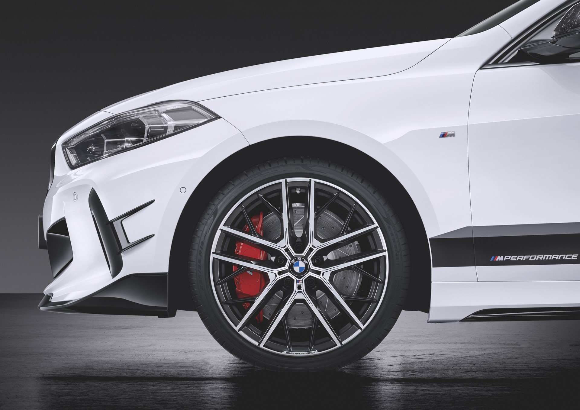 1_BMW-1-Series-M-Performance-Parts-4