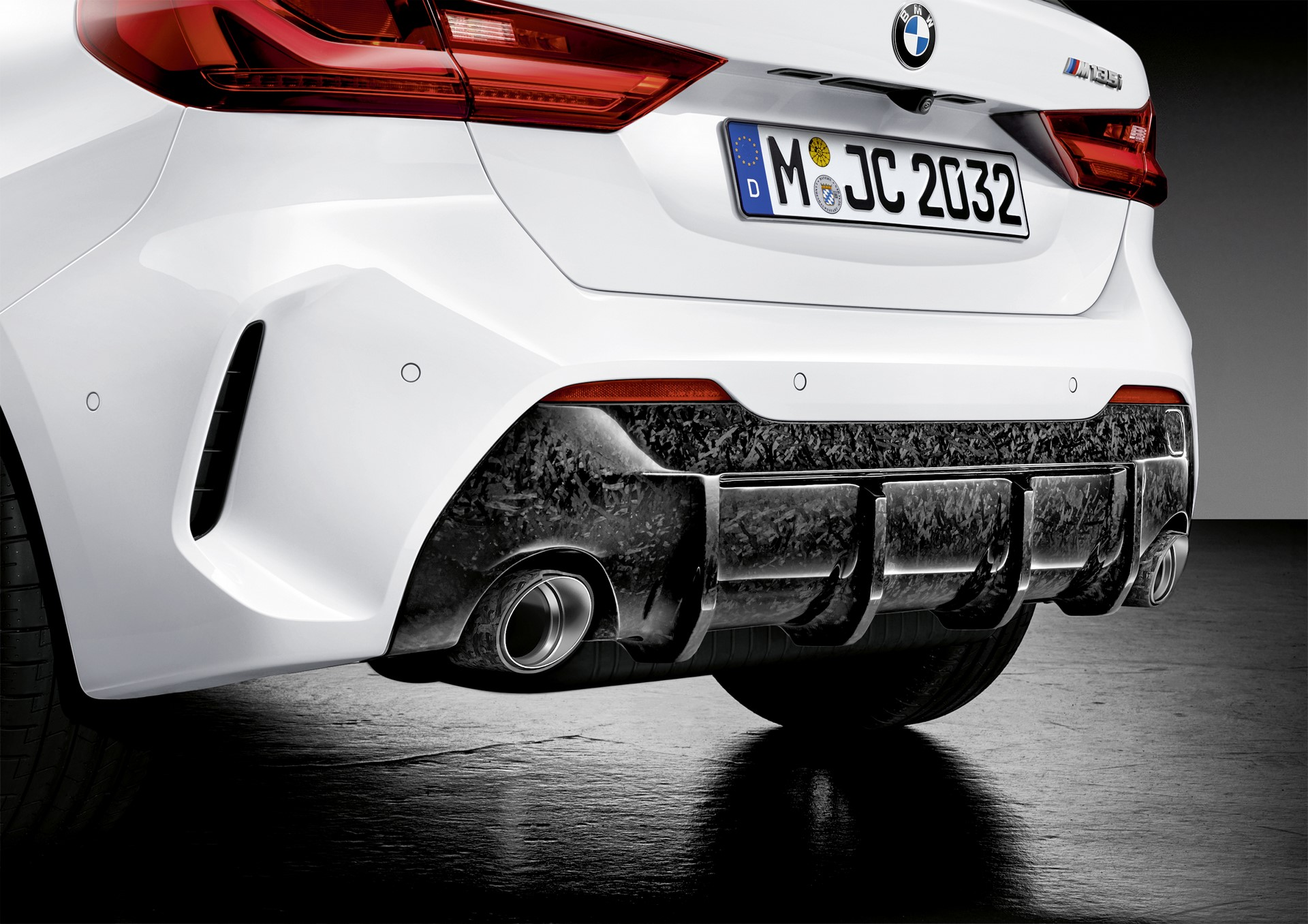 1_BMW-1-Series-M-Performance-Parts-6