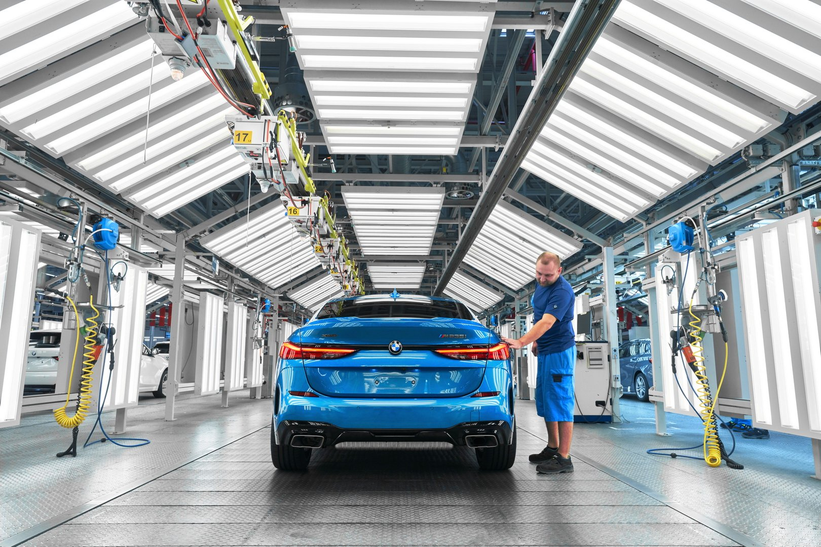 2020-bmw-2-series-gran-coupe-production-leipzig-10