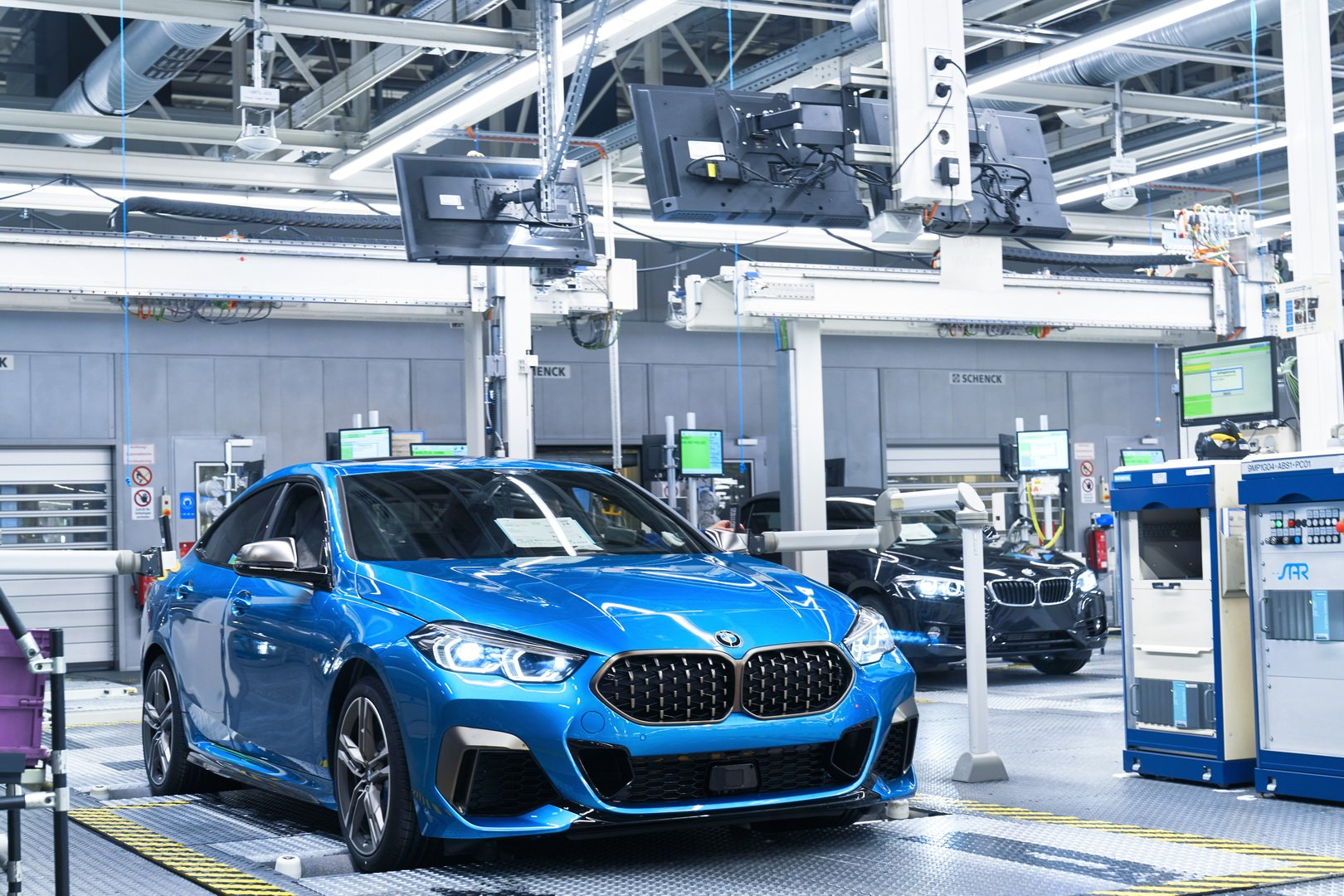 2020-bmw-2-series-gran-coupe-production-leipzig-14