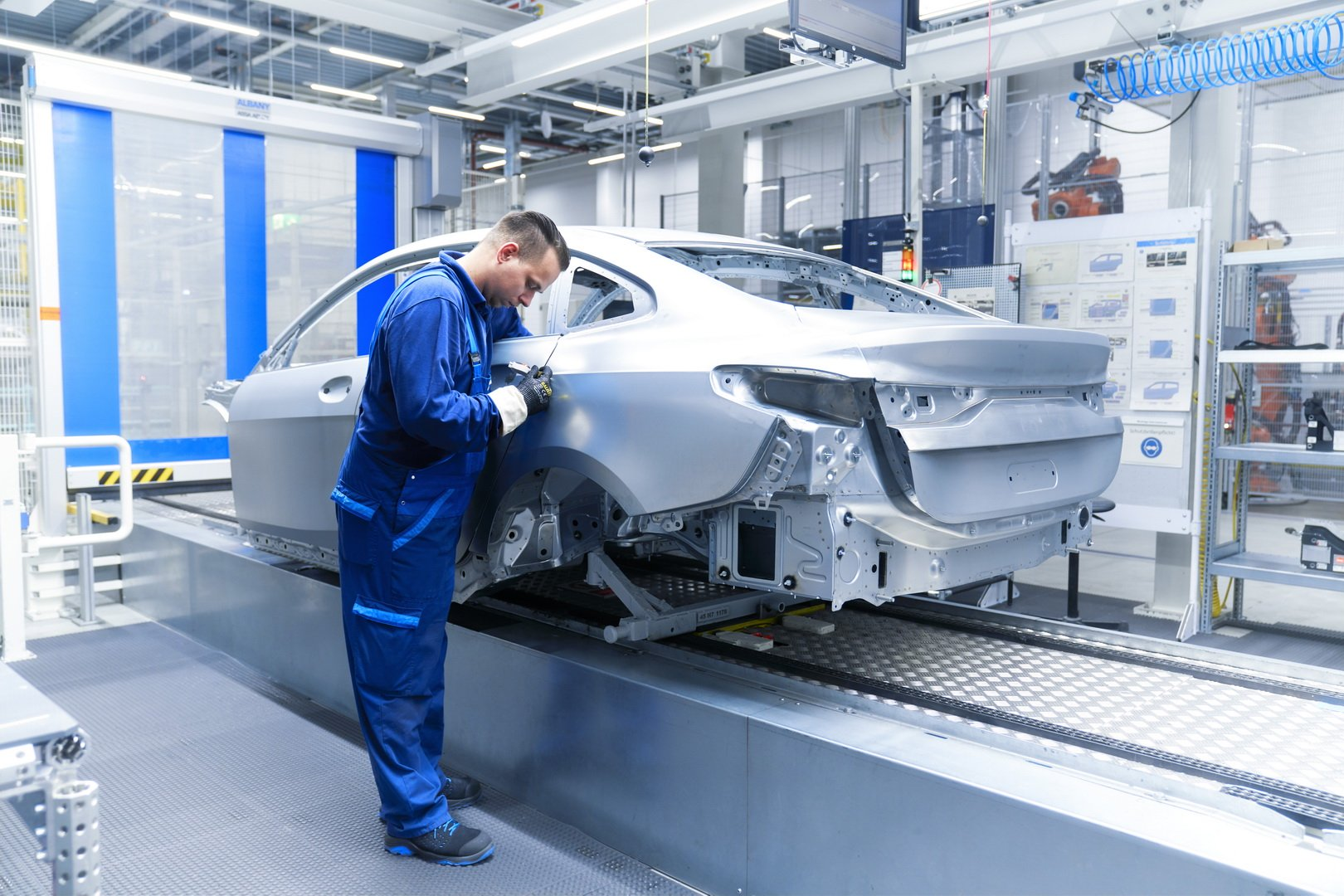 2020-bmw-2-series-gran-coupe-production-leipzig-21
