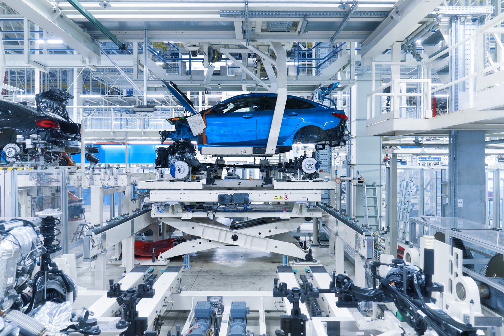 2020-bmw-2-series-gran-coupe-production-leipzig-24