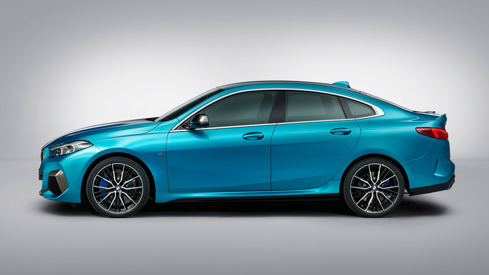 BMW-2-series-gran-coupe-leaked-4