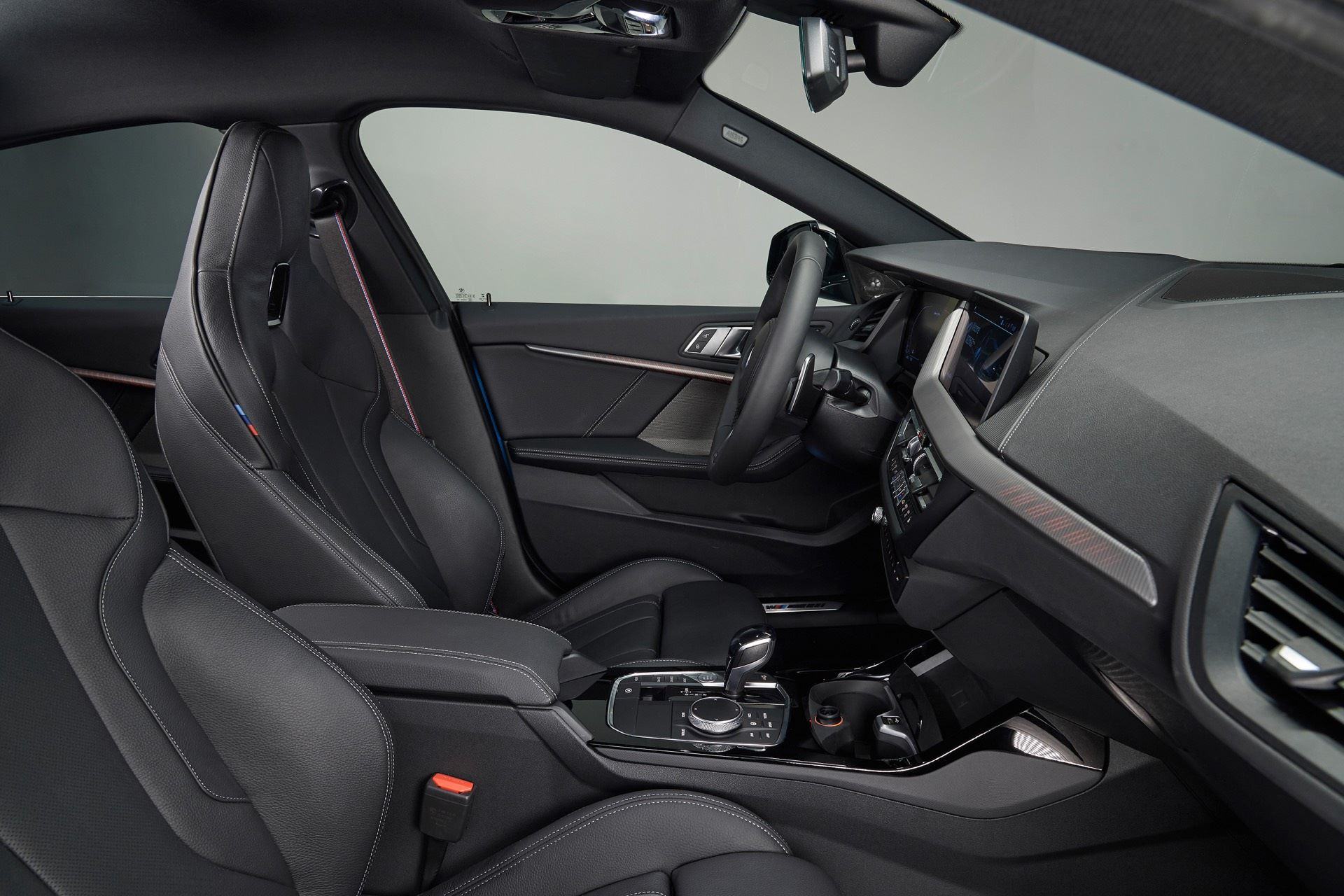 BMW-2-Series-Gran-Coupe-Details-Photos8