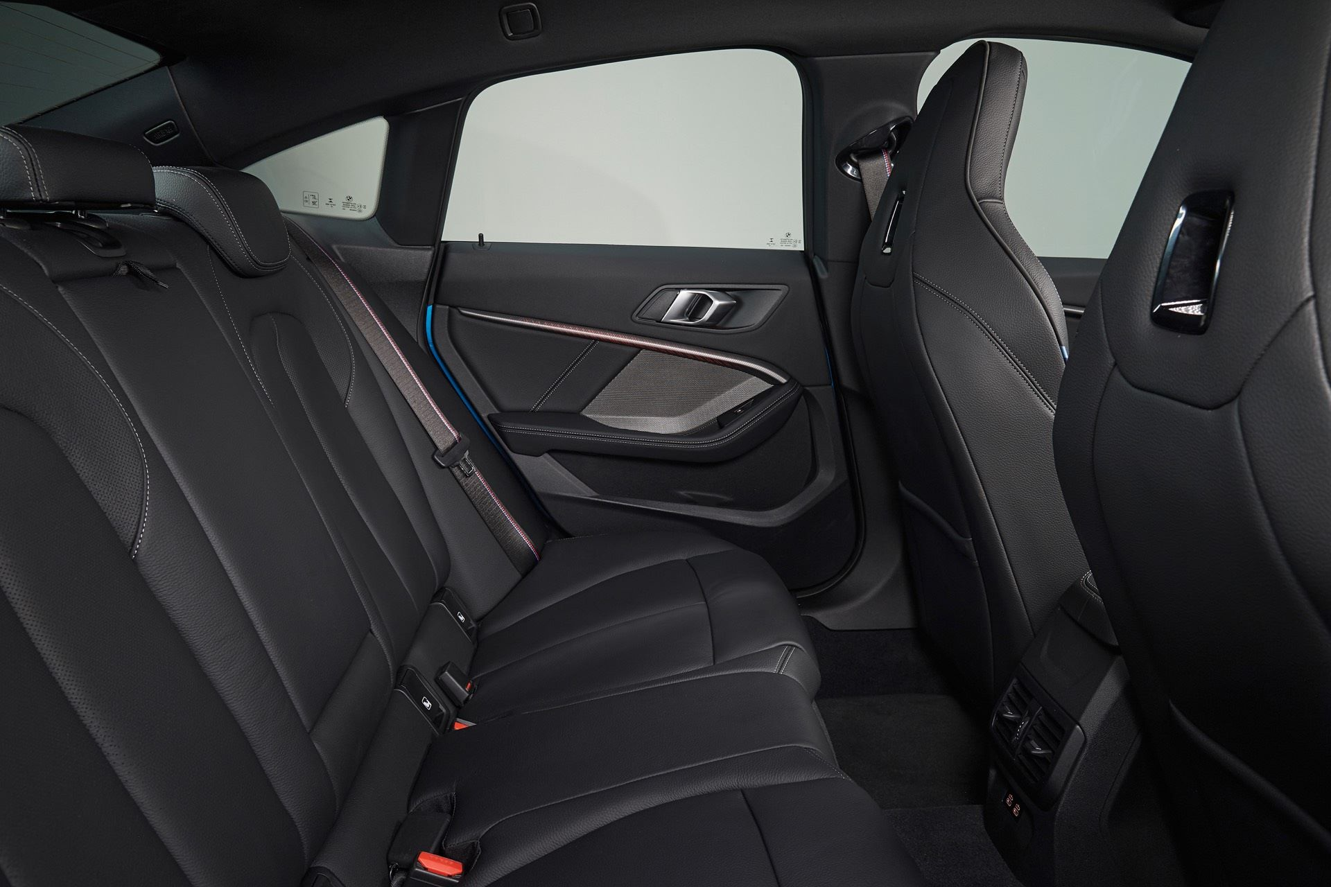 BMW-2-Series-Gran-Coupe-Details-Photos9