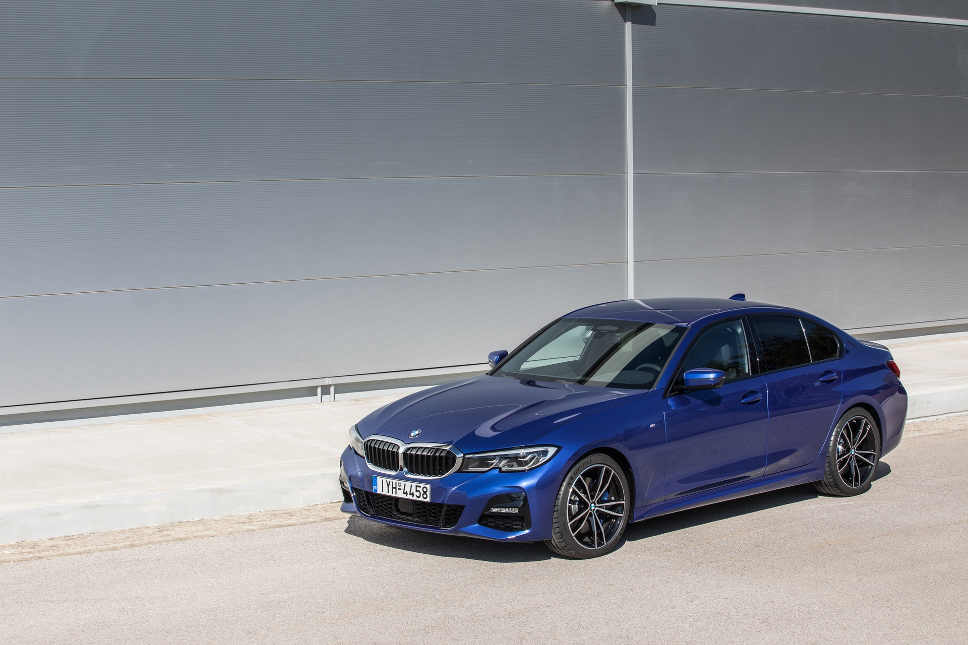 BMW_3-Series_Greek_0019
