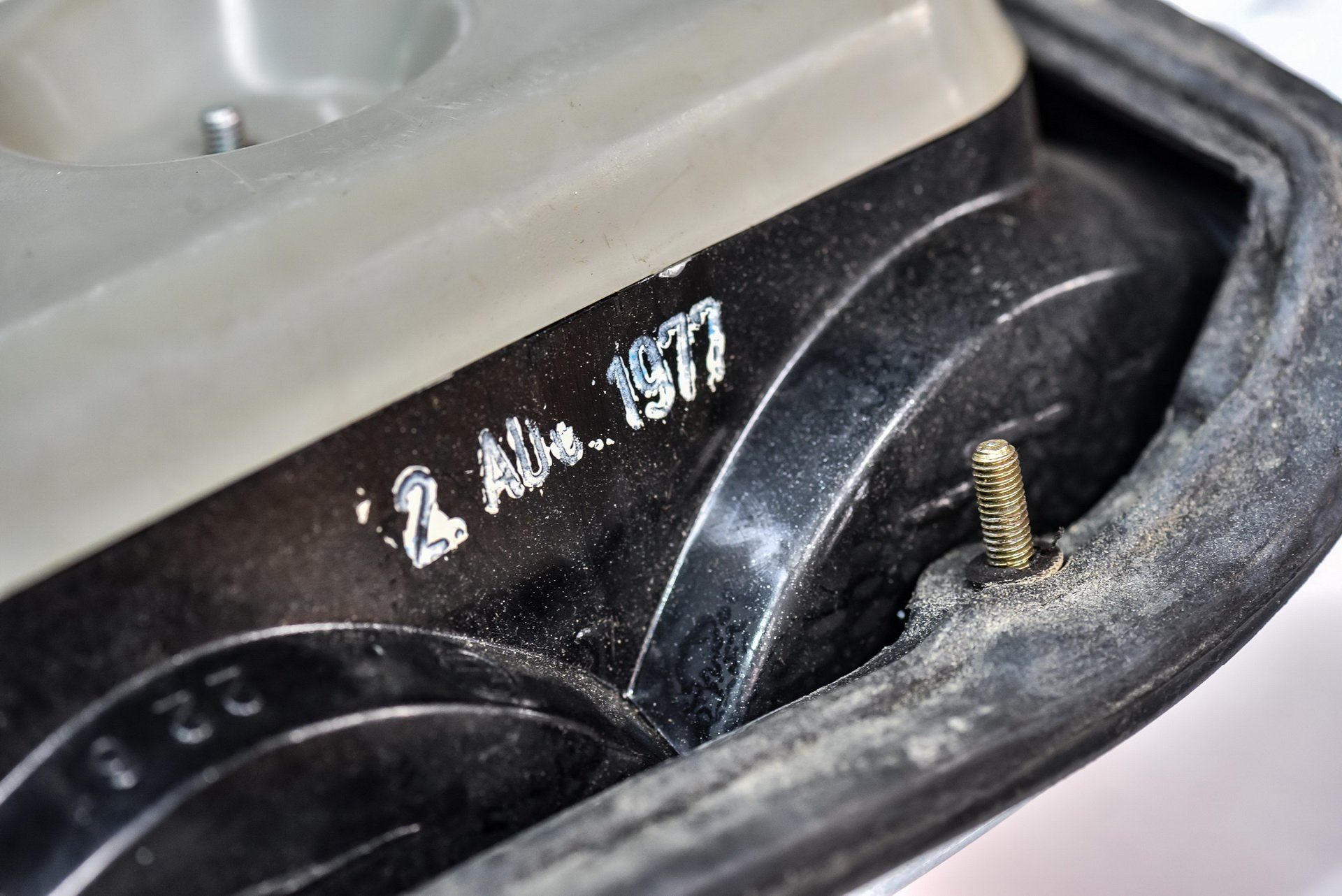 BMW-530-MLE-Restoration-process-153