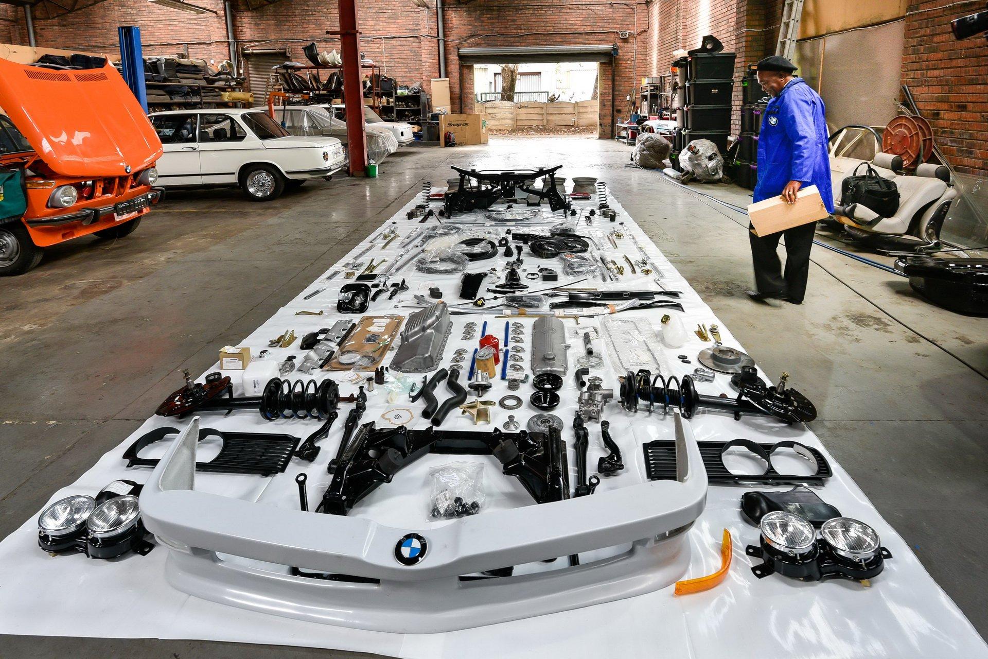 BMW-530-MLE-Restoration-process-178