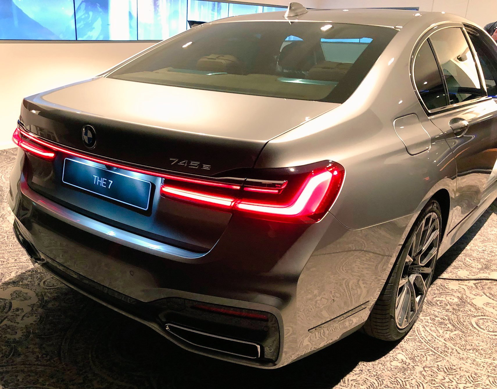 BMW 7 Series facelift 2019 leaked official images (8)