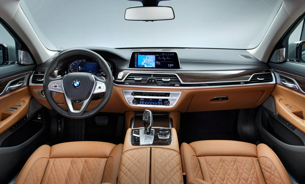 BMW 7-Series Facelift 2019 leaked photos (5)