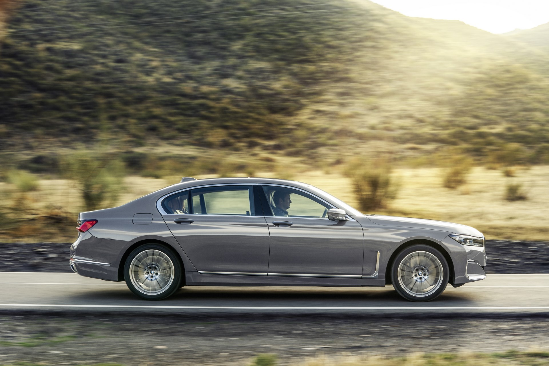 BMW 7-Series facelift 2019 (1)