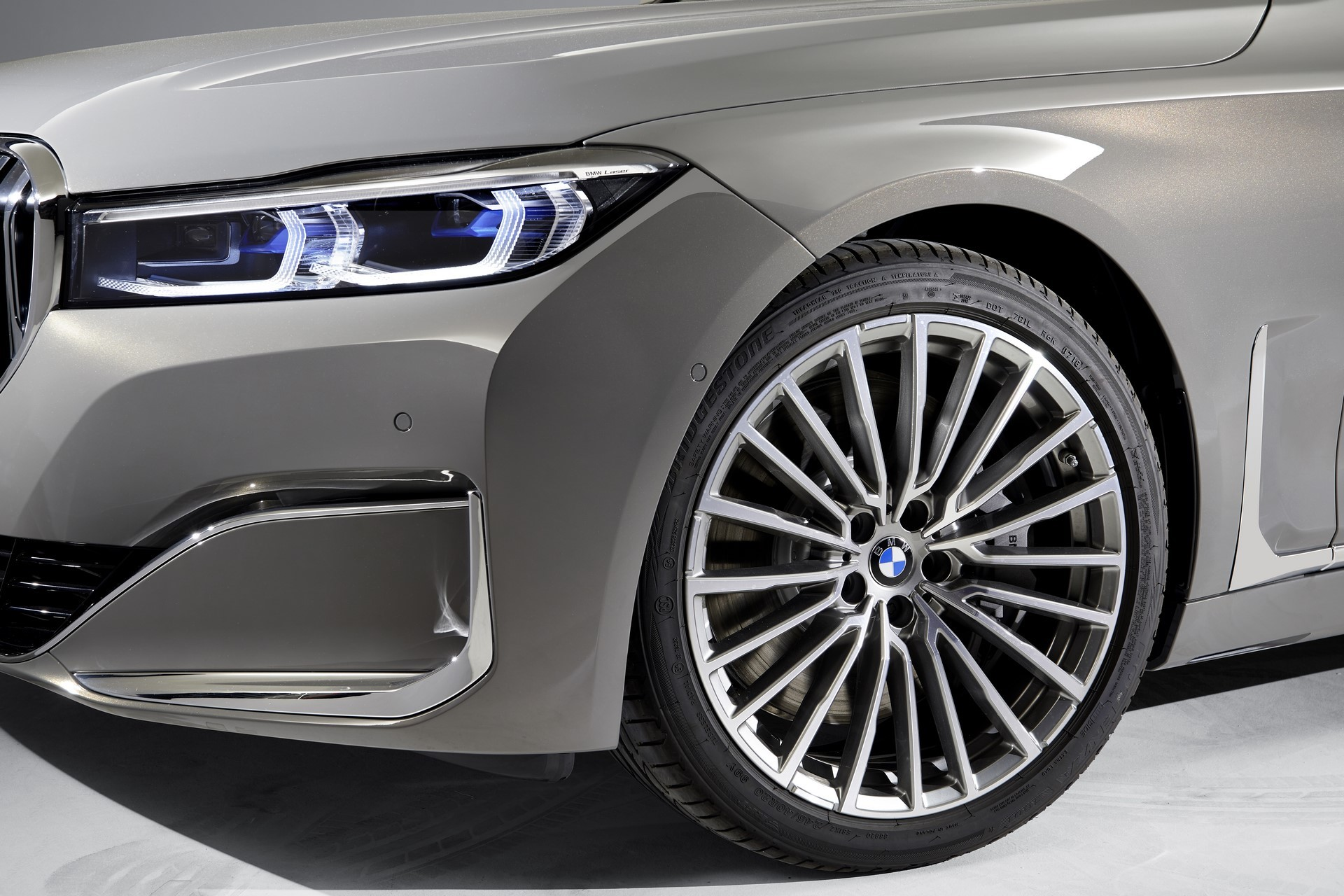BMW 7-Series facelift 2019 (39)