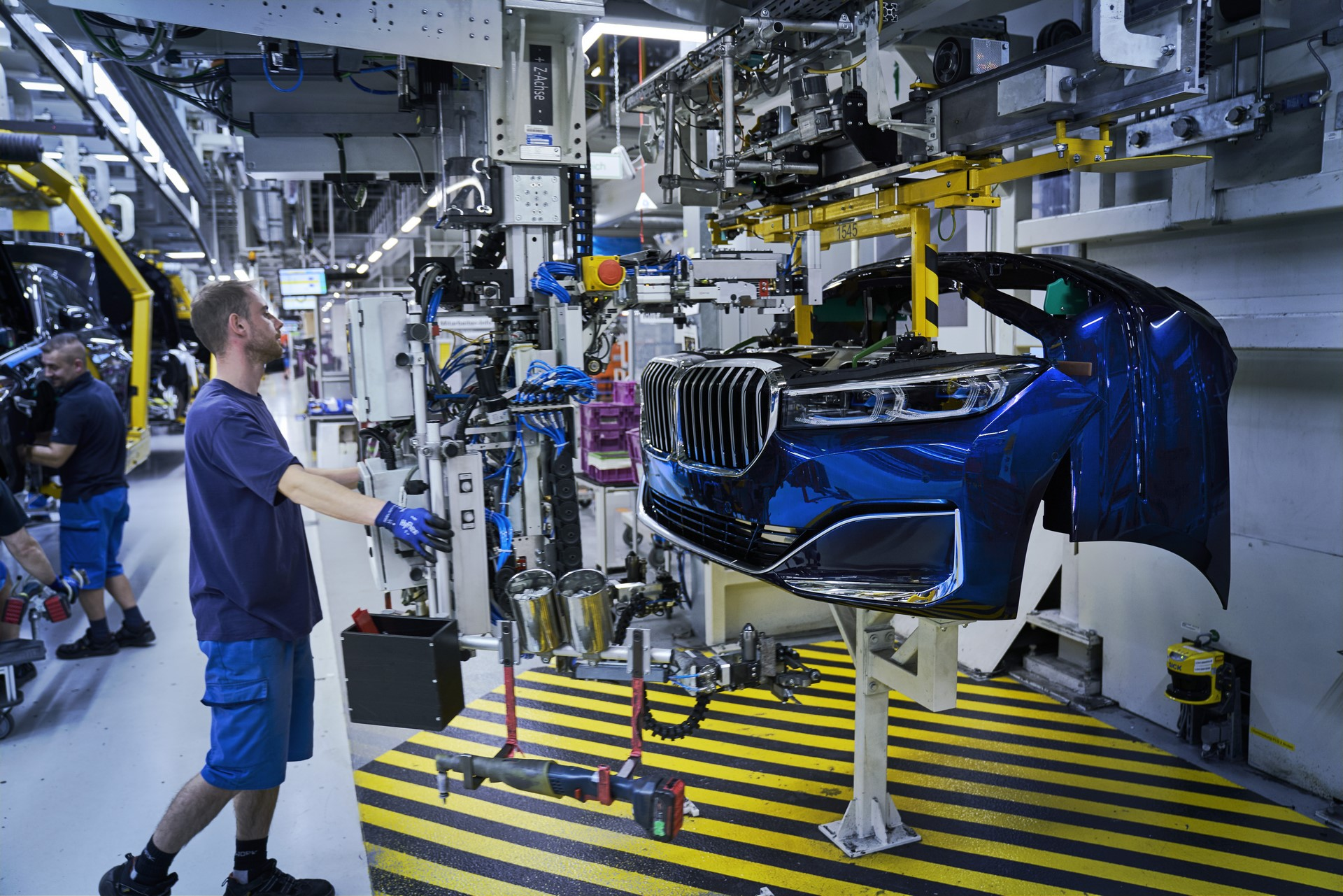 BMW 7-Series facelift production start plants (1)