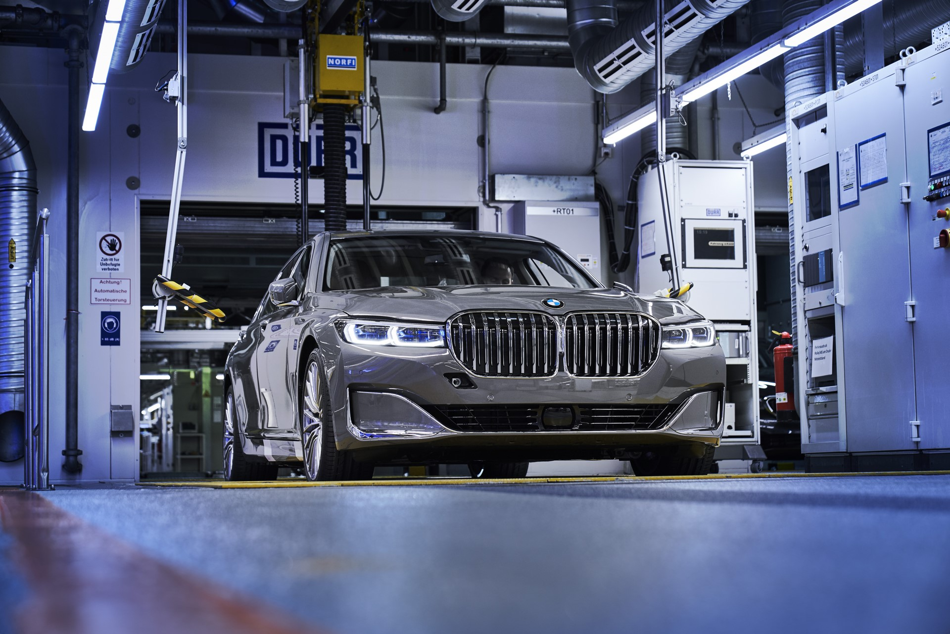BMW 7-Series facelift production start plants (10)