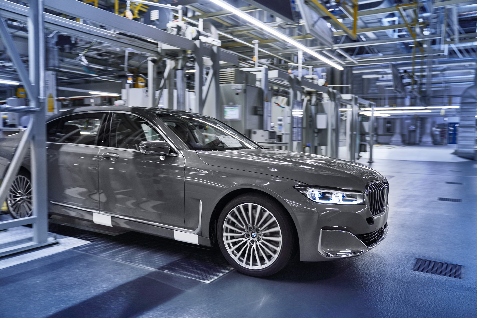 BMW 7-Series facelift production start plants (12)