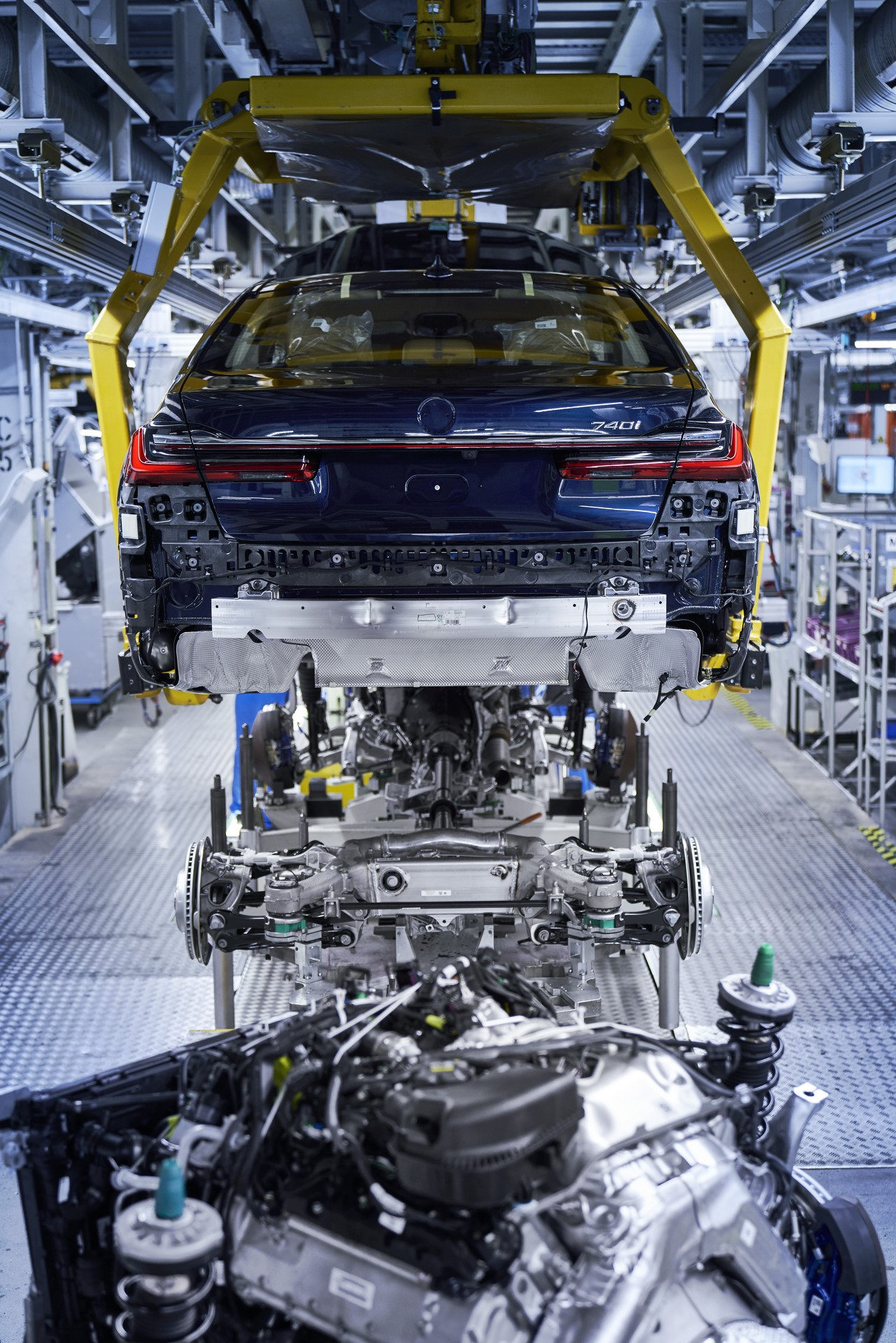BMW 7-Series facelift production start plants (3)