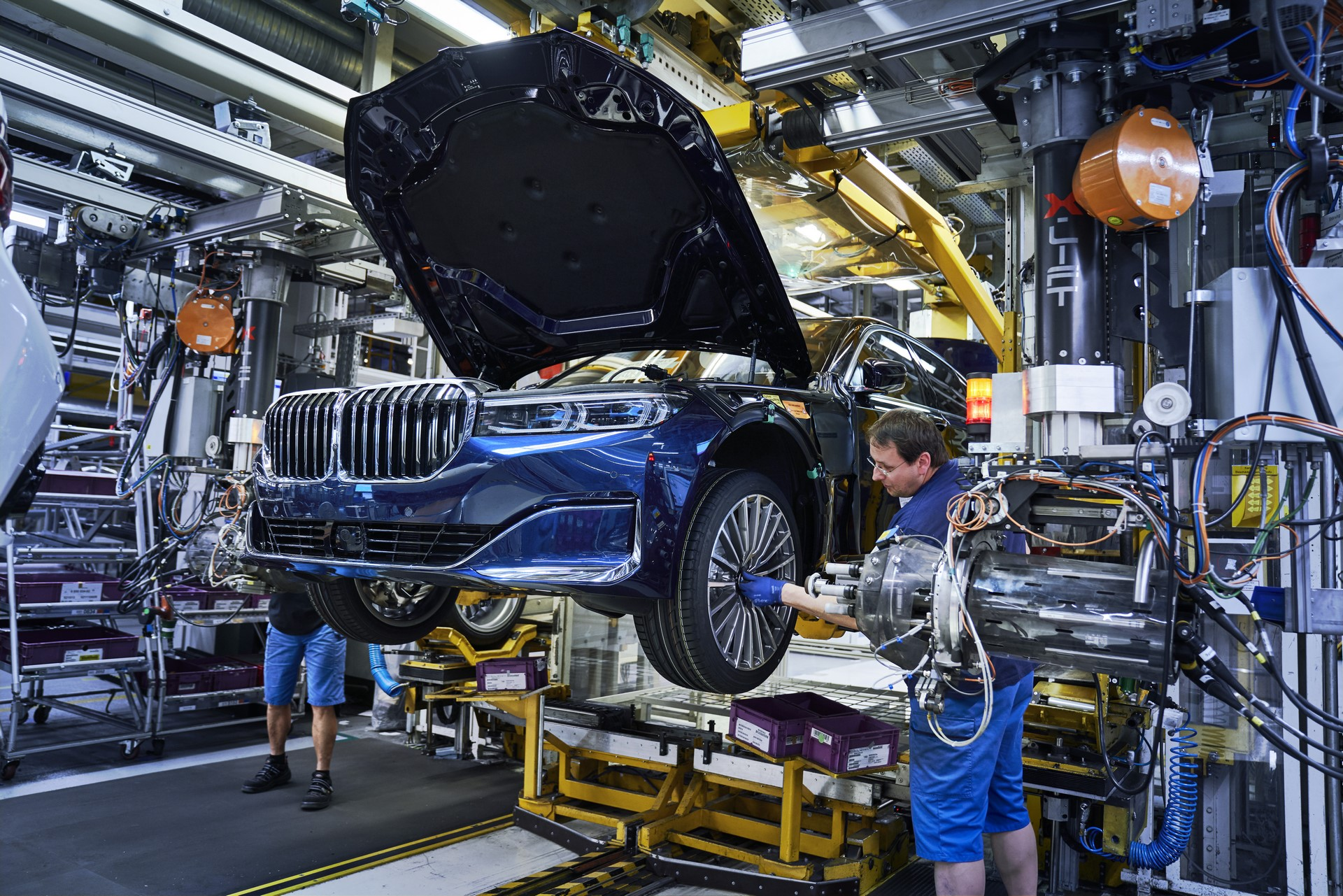BMW 7-Series facelift production start plants (4)