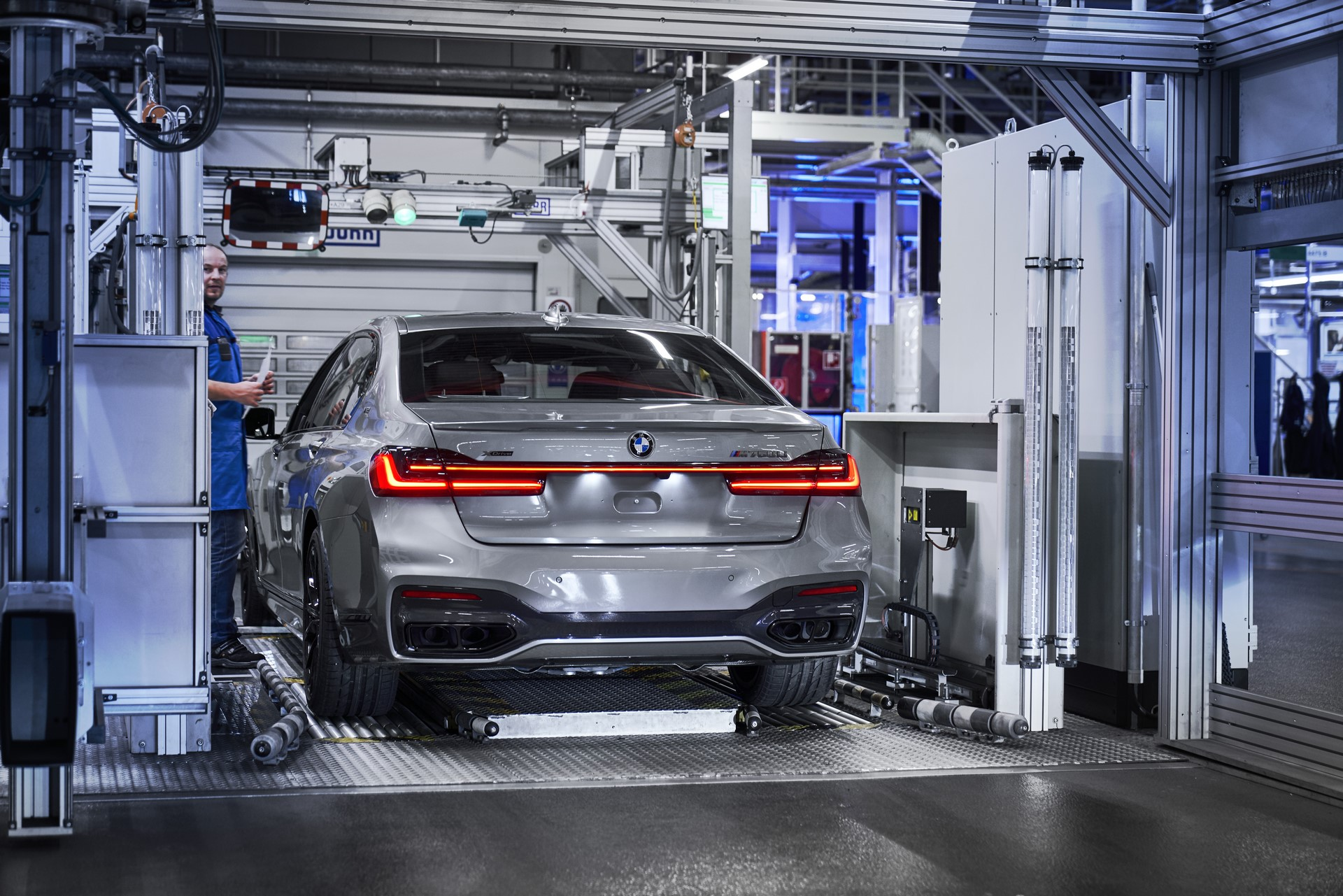 BMW 7-Series facelift production start plants (6)