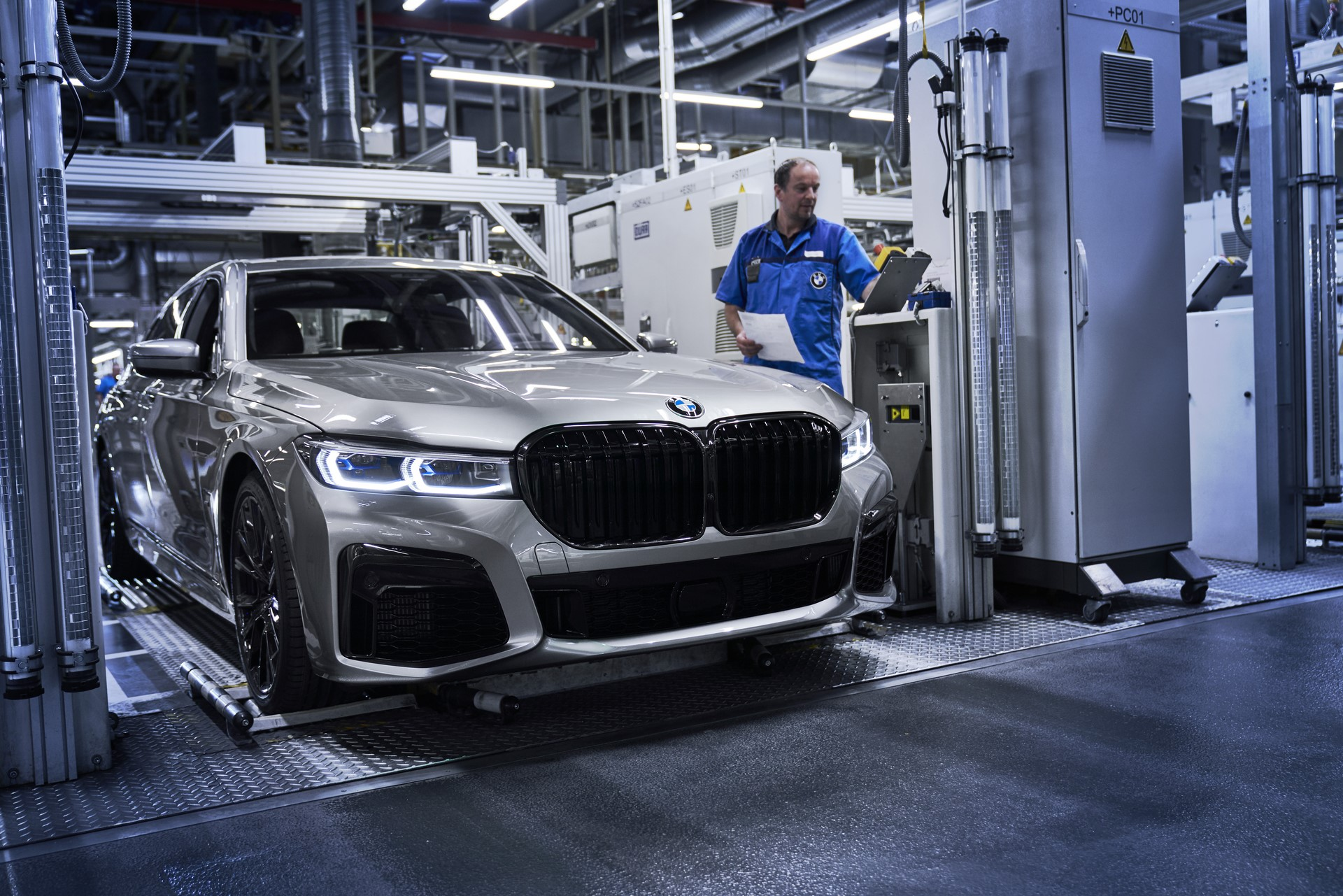 BMW 7-Series facelift production start plants (7)