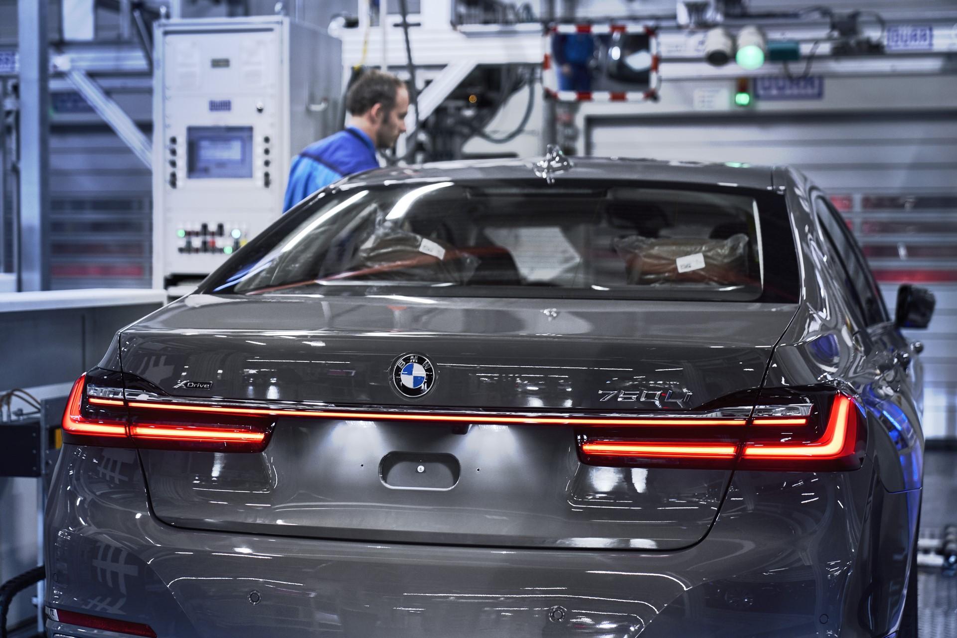 BMW 7-Series facelift production start plants (8)