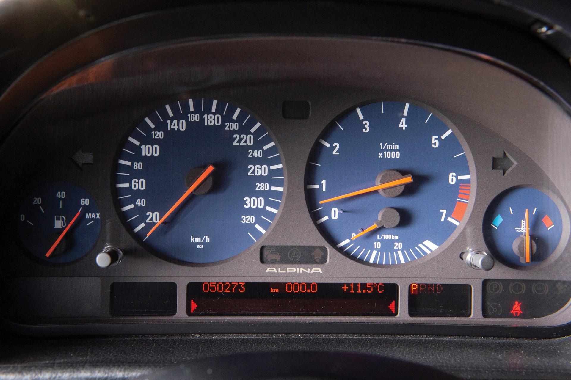 2000-BMW-Alpina-B12-6-0-Langversion_4