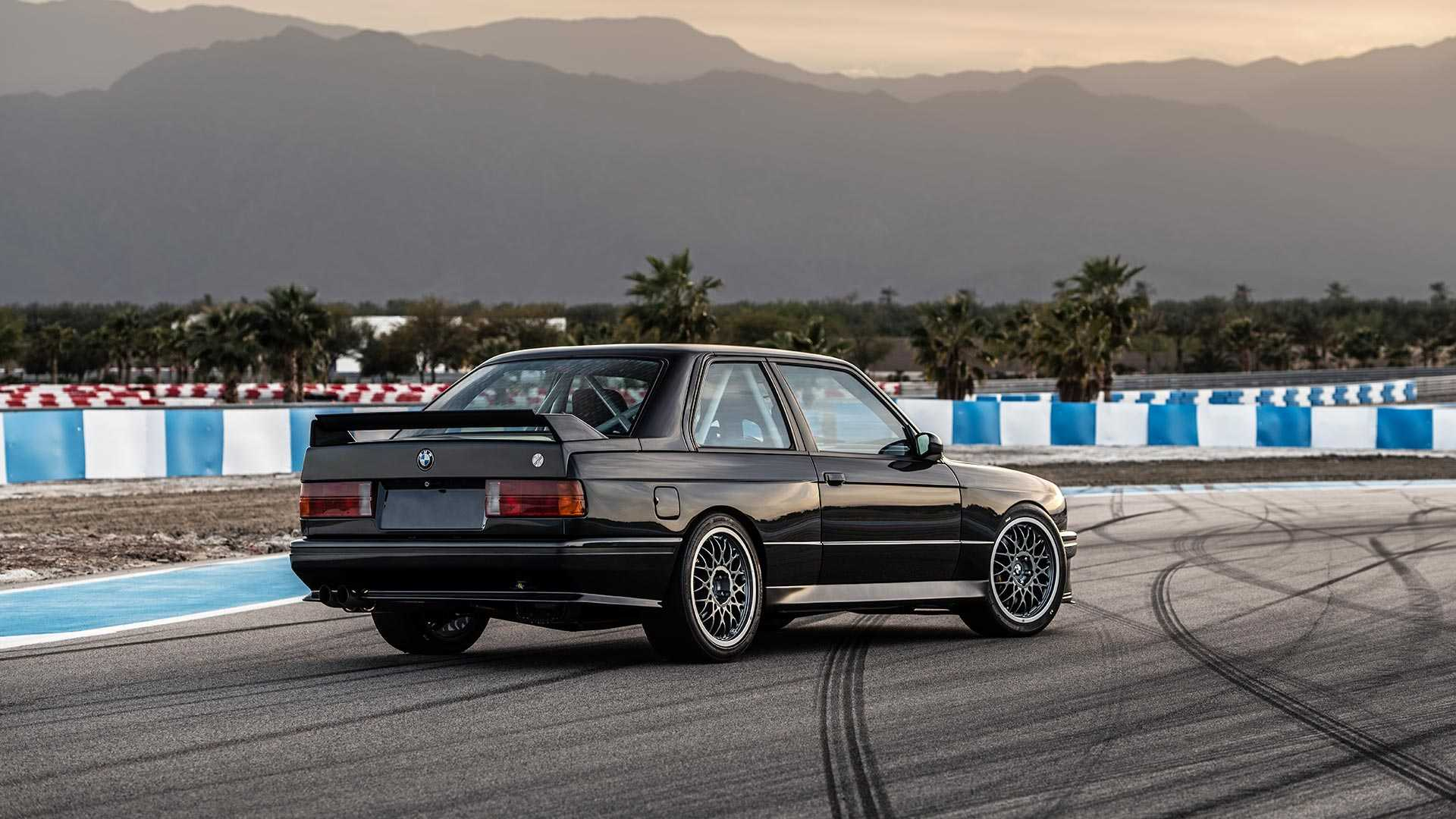 BMW_E30_M3_by_Redux_0014