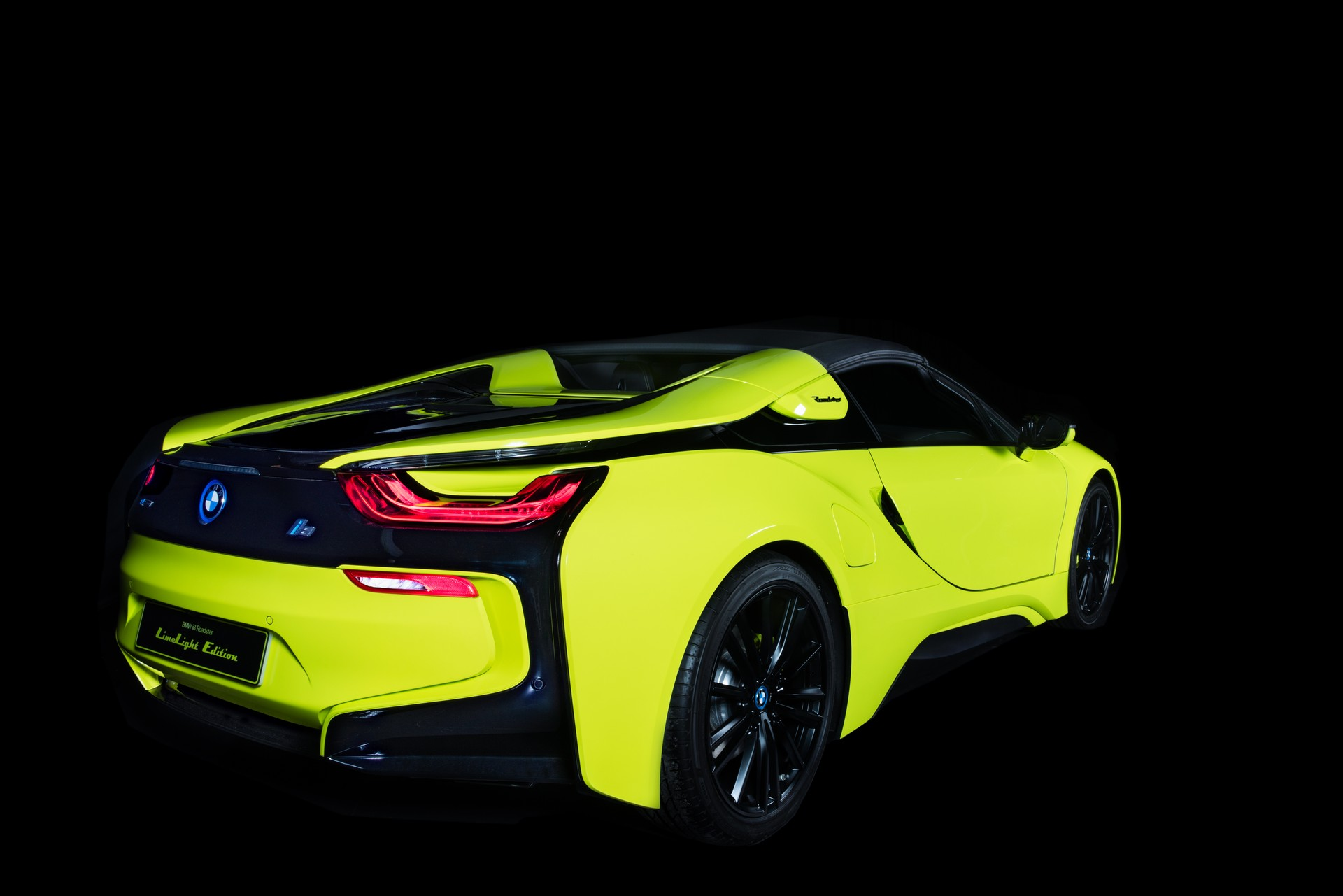 BMW-i8-Roadster-LimeLight-Edition-12