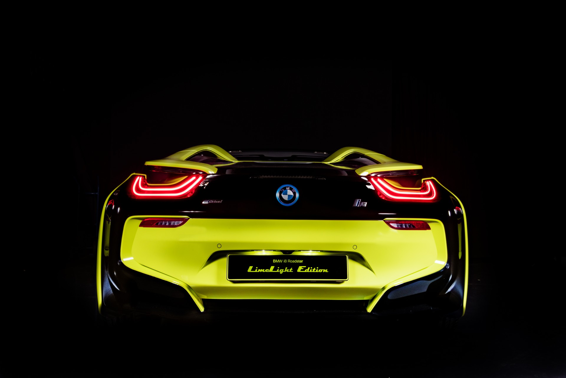 BMW-i8-Roadster-LimeLight-Edition-15