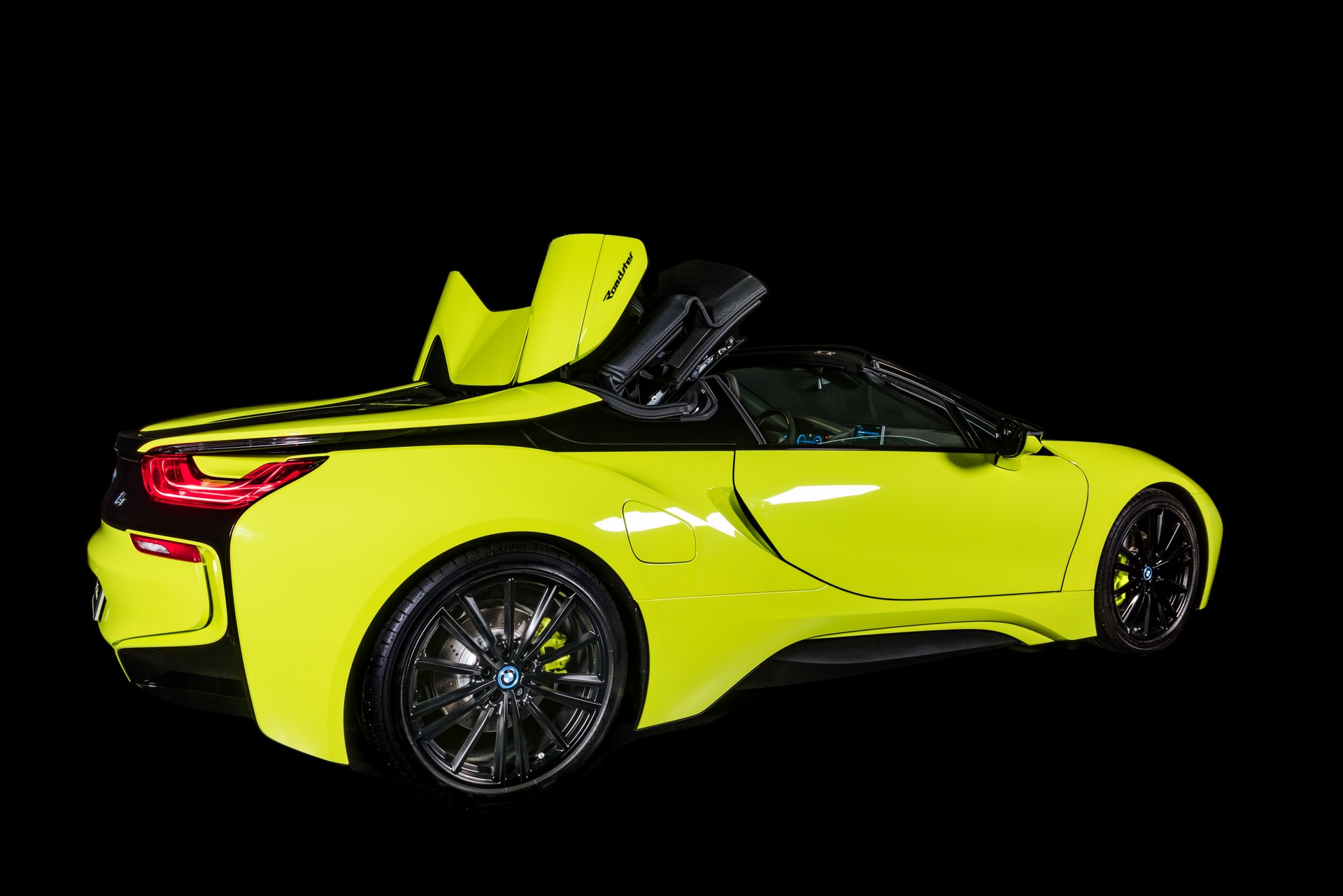 BMW-i8-Roadster-LimeLight-Edition-18