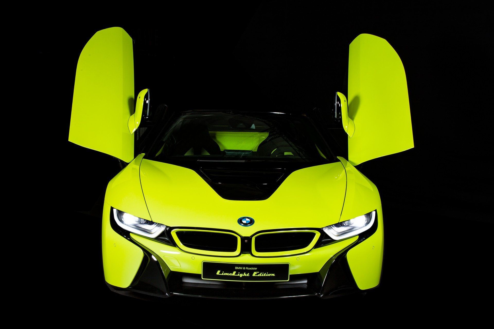 BMW-i8-Roadster-LimeLight-Edition-4