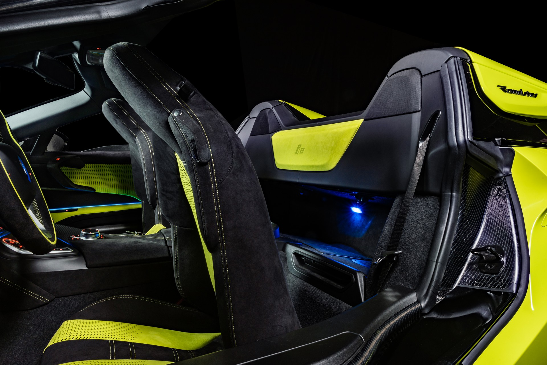 BMW-i8-Roadster-LimeLight-Edition-6