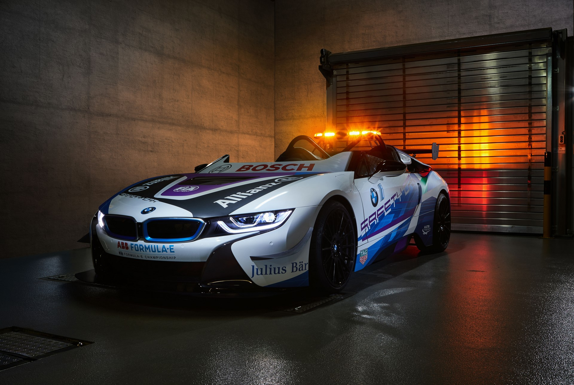 BMW-i8-Speedster-Formula-E-Safety-Car-1