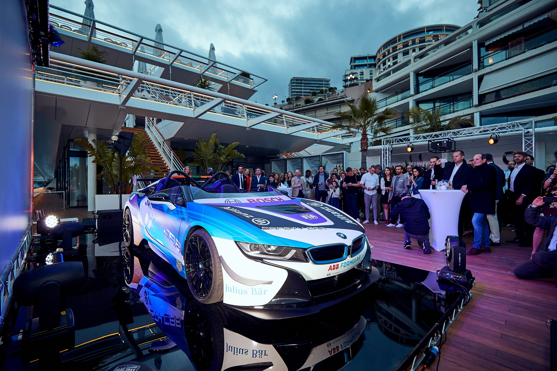 BMW-i8-Speedster-Formula-E-Safety-Car-11