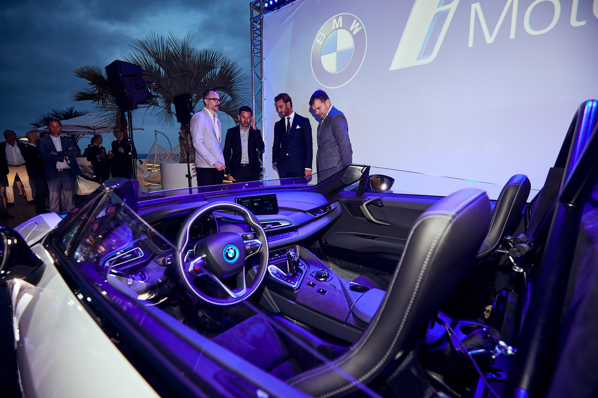 BMW-i8-Speedster-Formula-E-Safety-Car-17