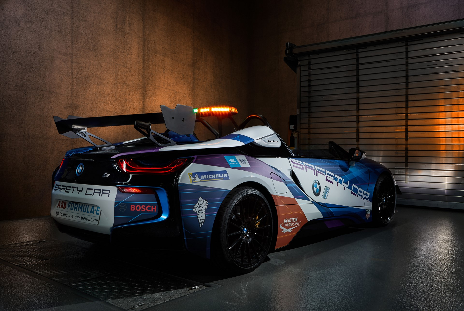 BMW-i8-Speedster-Formula-E-Safety-Car-2