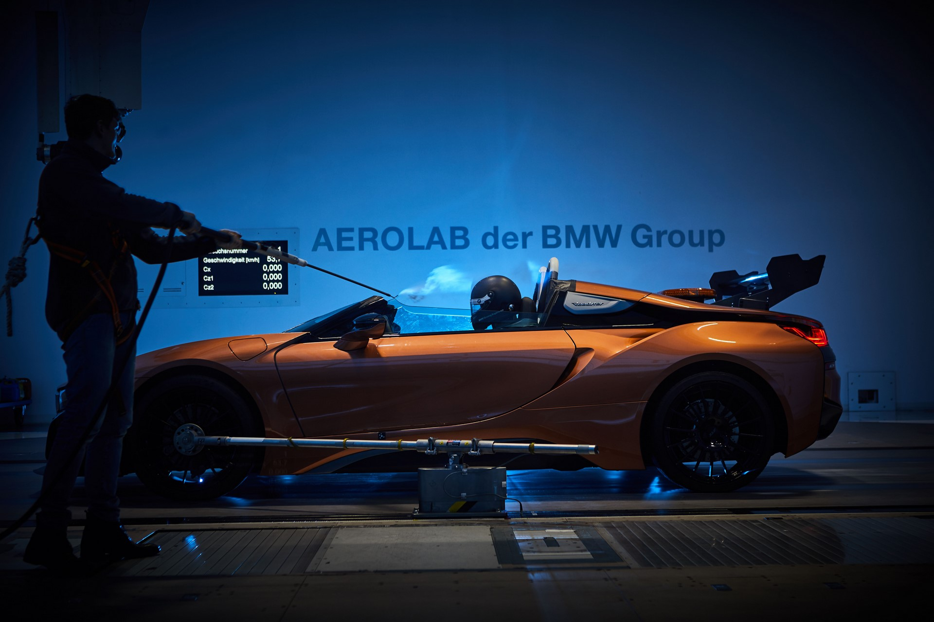 BMW-i8-Speedster-Formula-E-Safety-Car-47