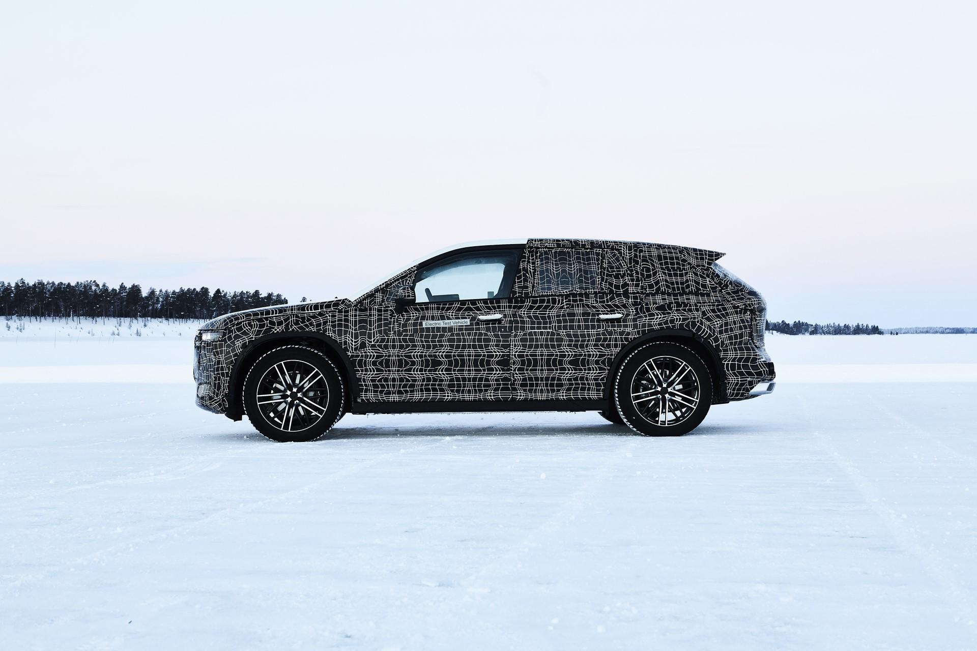BMW iNEXT (1)