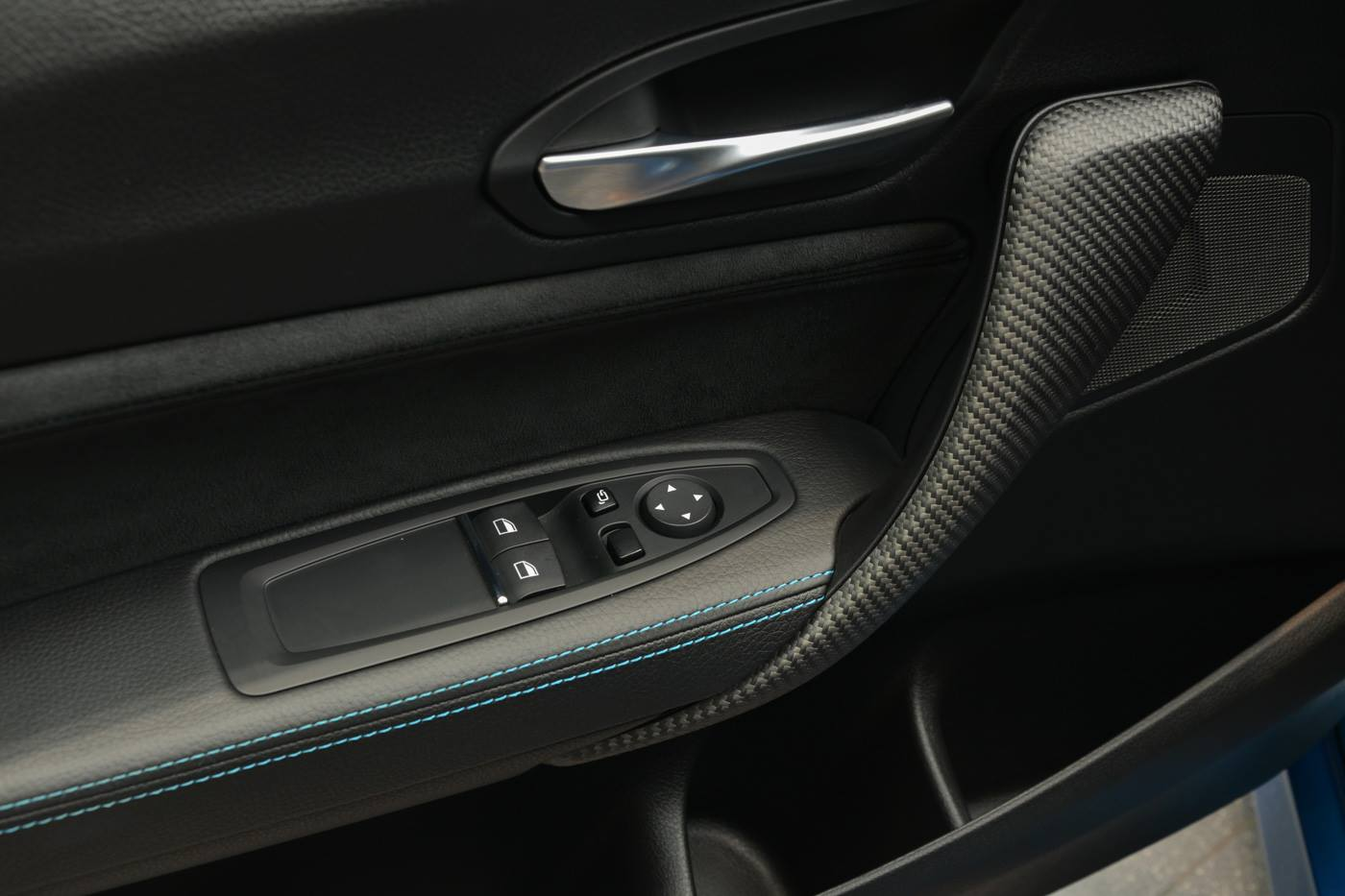 BMW M2 Competition BMW Abu Dhabi Motors (11)