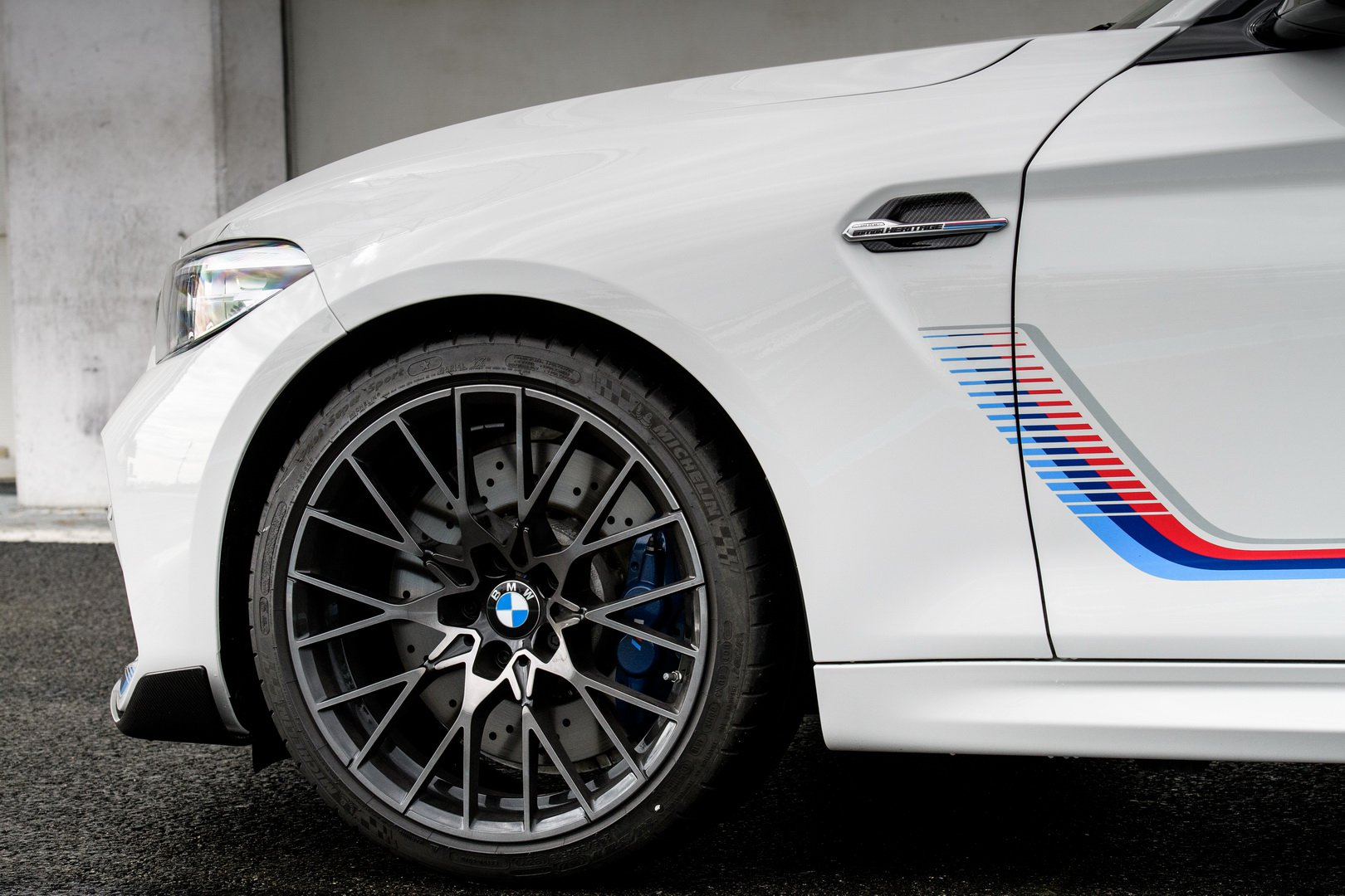 BMW-M2-Competition-Heritage-Edition-13