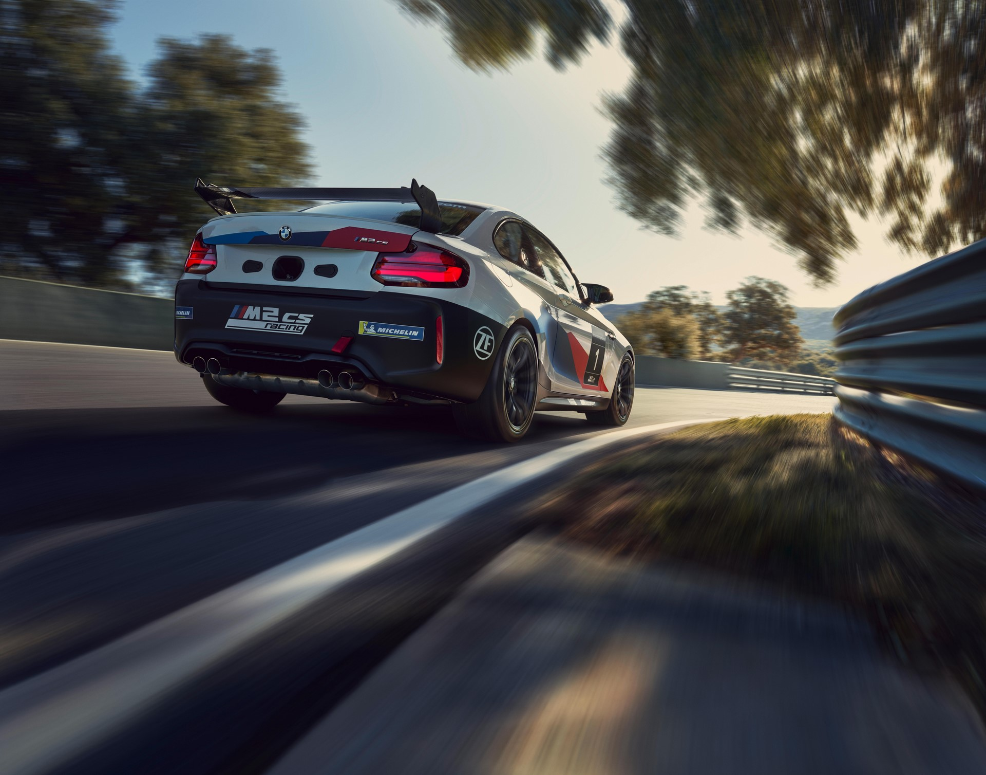 BMW-M2-CS-Racing-1