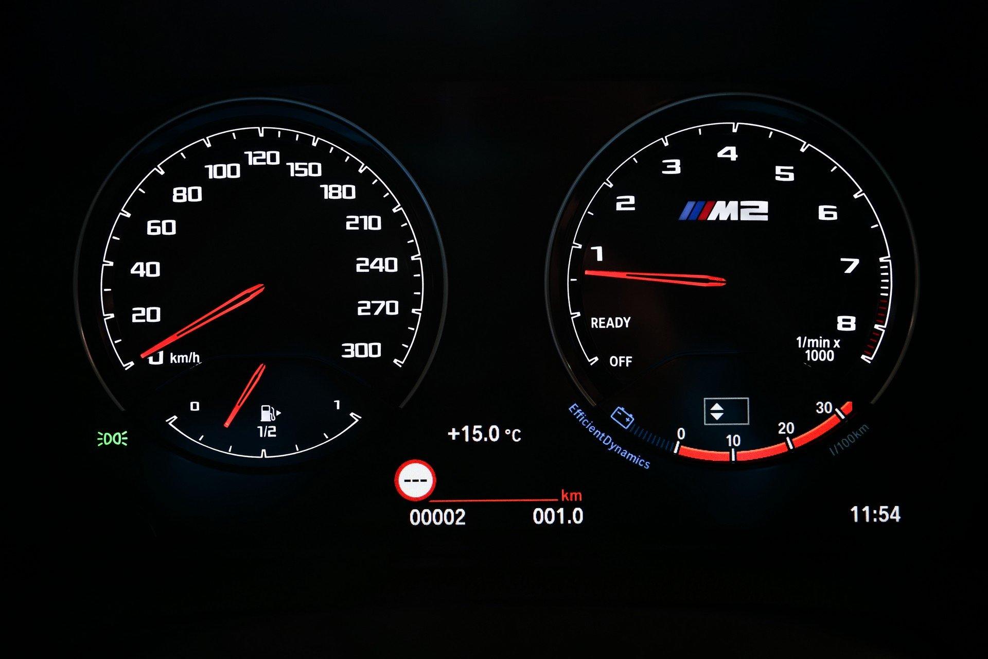 BMW-M2-CS-2020-18