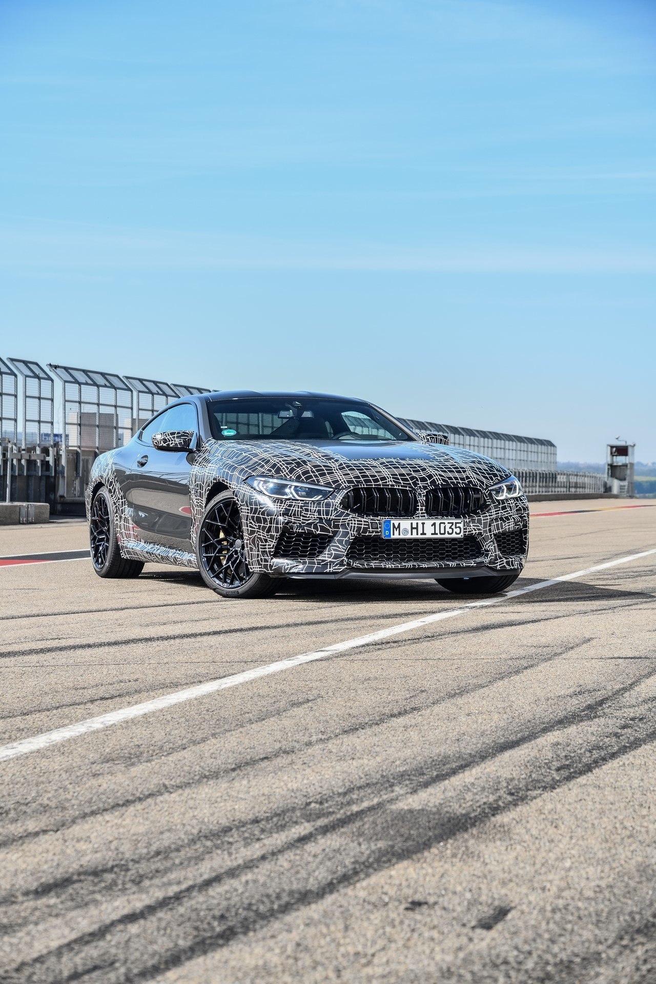 BMW-M8-spy-photos-4